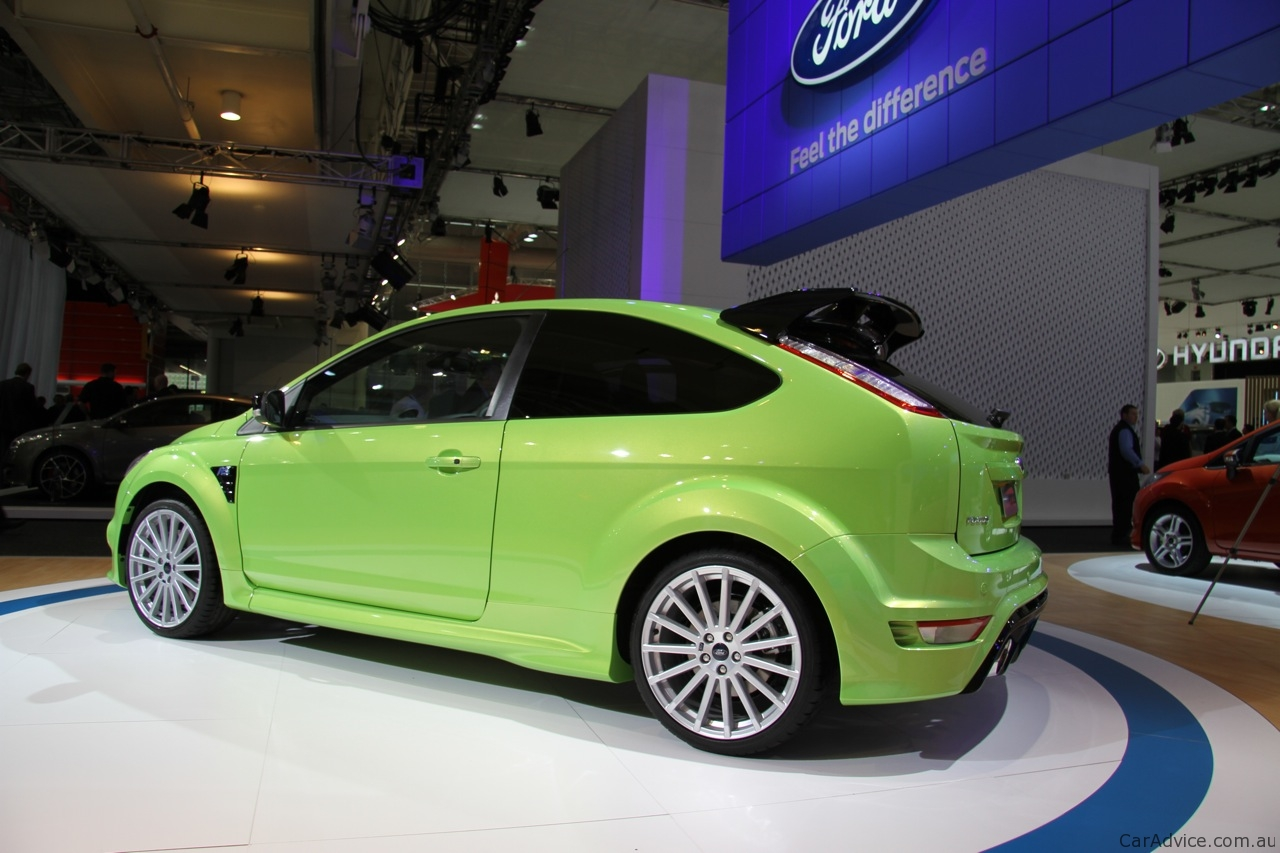 ford focus rs at 2010 aims photos 1 of 8. Black Bedroom Furniture Sets. Home Design Ideas