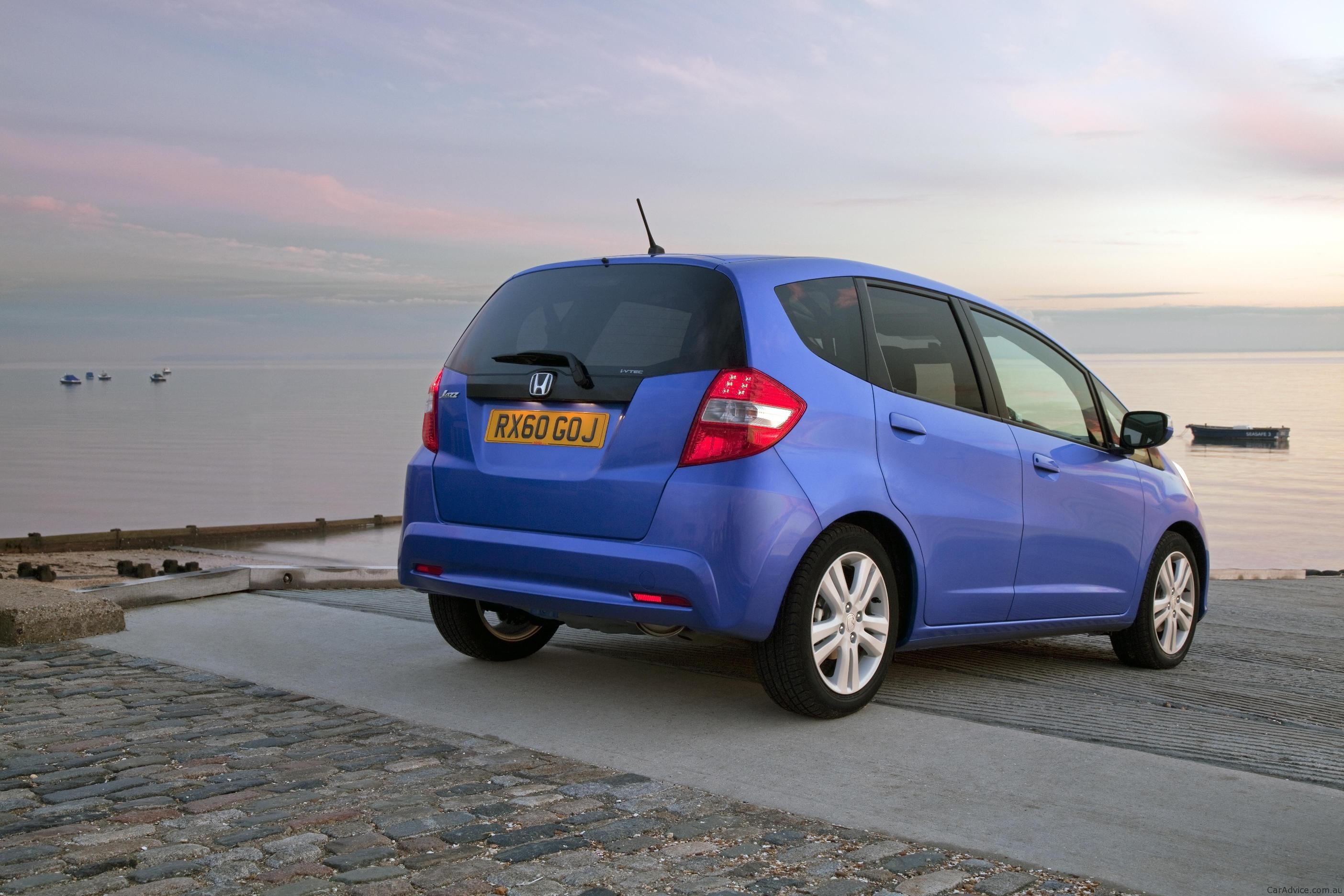 2011 Honda Jazz Facelift Revealed For The Uk Photos 1 Of 4