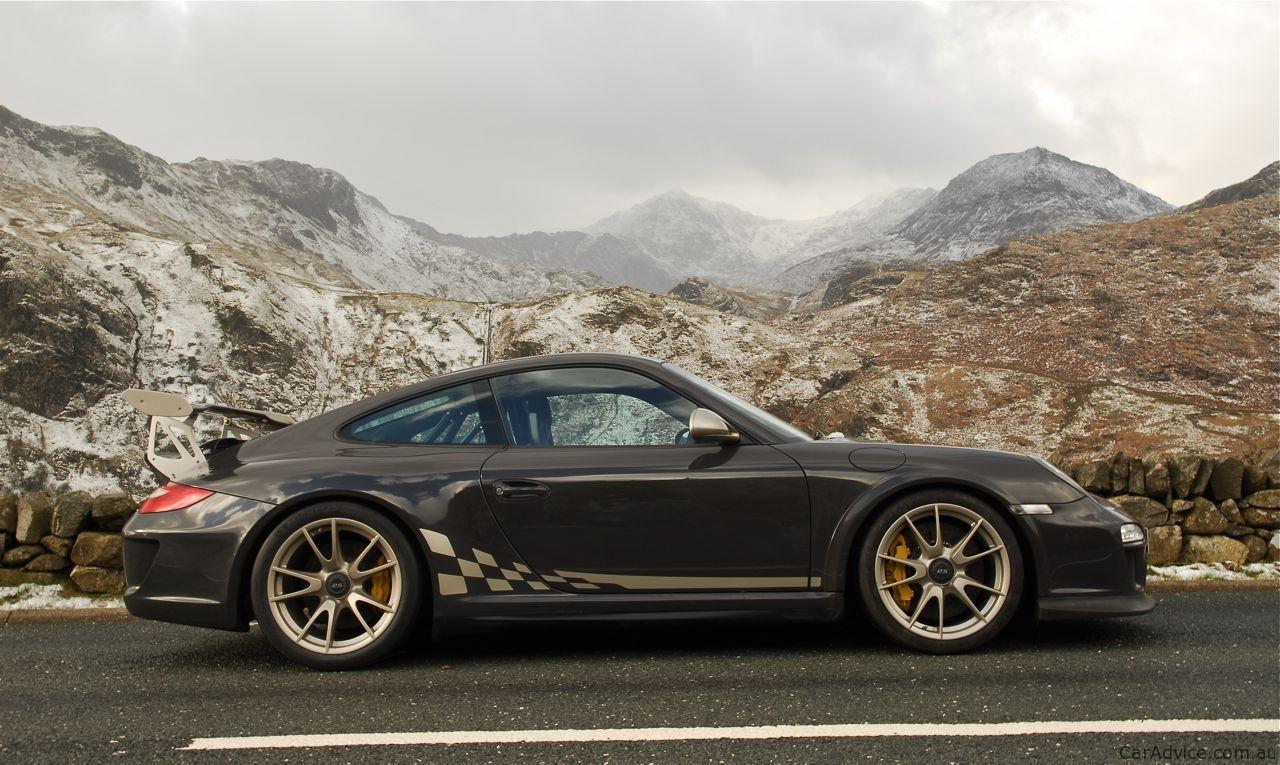 2010 Toyota Corolla Sport >> 2010 Porsche 911 GT3 RS Review | CarAdvice