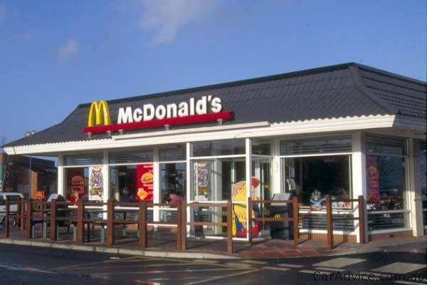 Mcdonald S Store Offers Ev Recharge Station Photos 1 Of 1