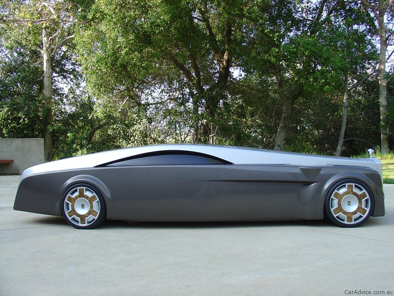 Rolls Royce Apparition Concept Photos 1 Of 5
