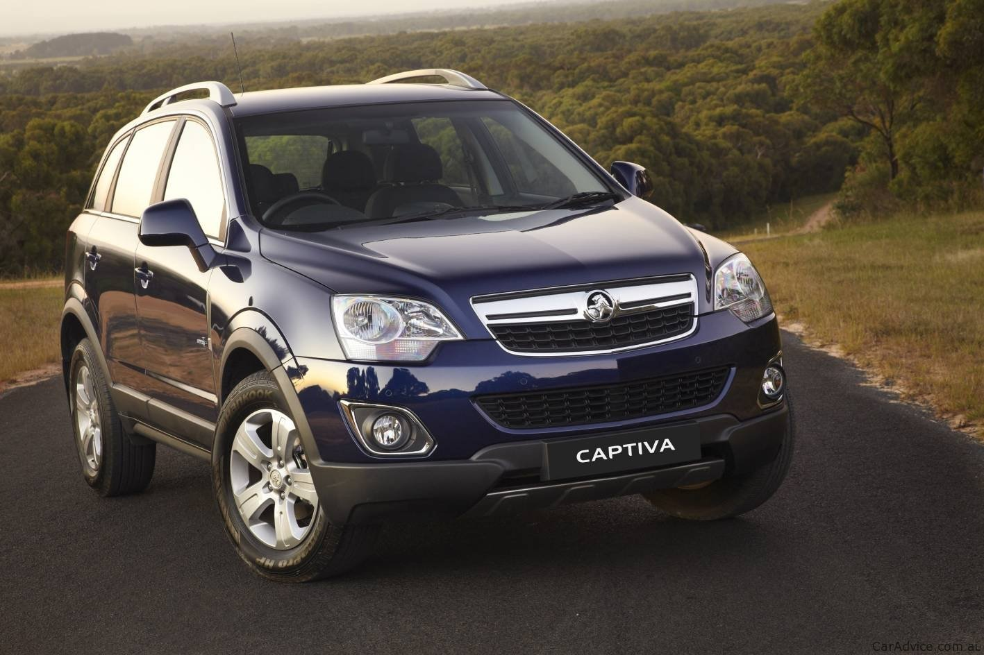 Hyundai Tucson Price >> 2011 Holden Captiva Series II on sale in March - Photos (1 ...