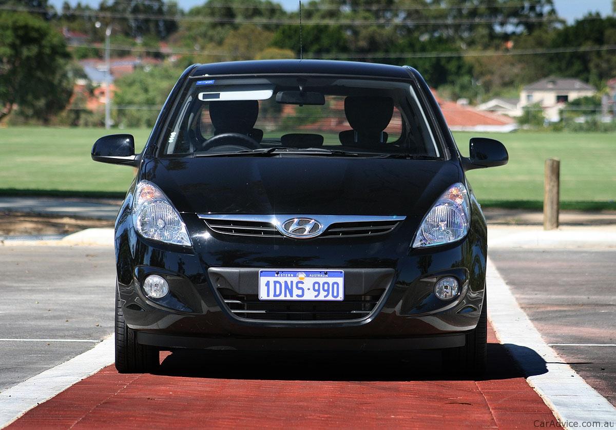Hyundai Kona Price >> 2011 Hyundai i20 Review   CarAdvice