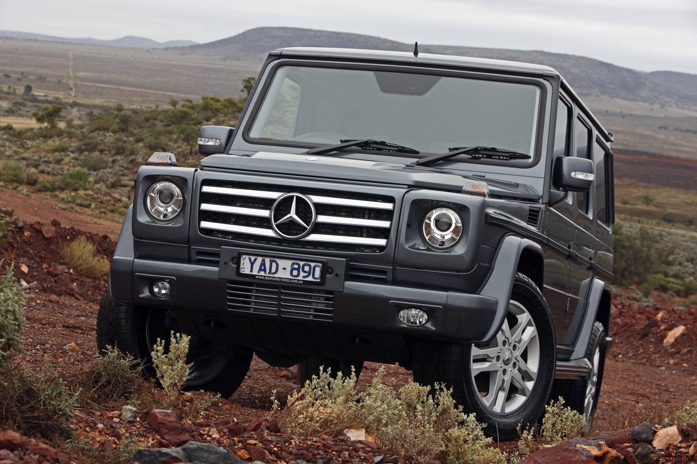 2011 mercedes benz g 350 bluetec and g 55 amg in australia for Mercedes benz g600