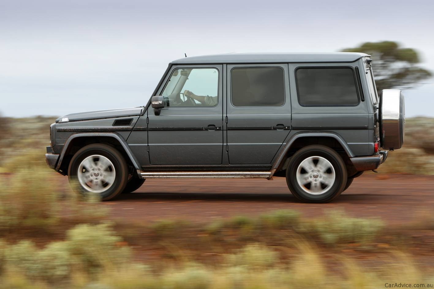 2011 mercedes benz g 350 bluetec and g 55 amg in australia for Mercedes benz g wagon price