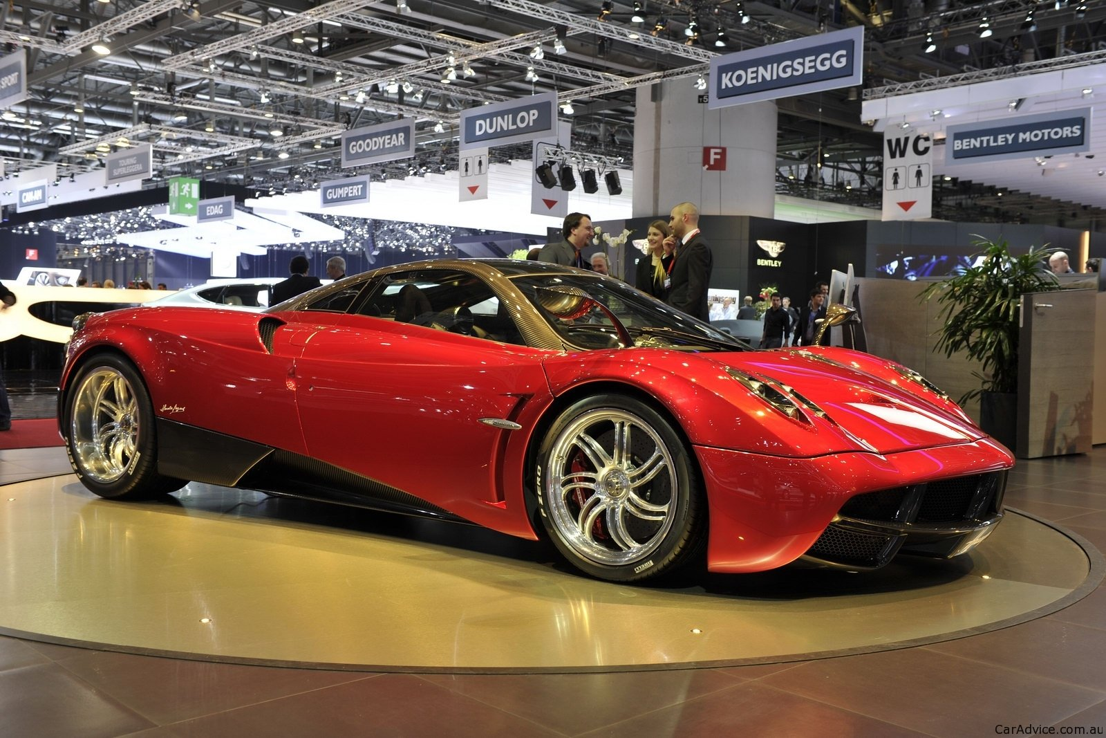 pagani huayra roadster confirmed photos 1 of 3. Black Bedroom Furniture Sets. Home Design Ideas