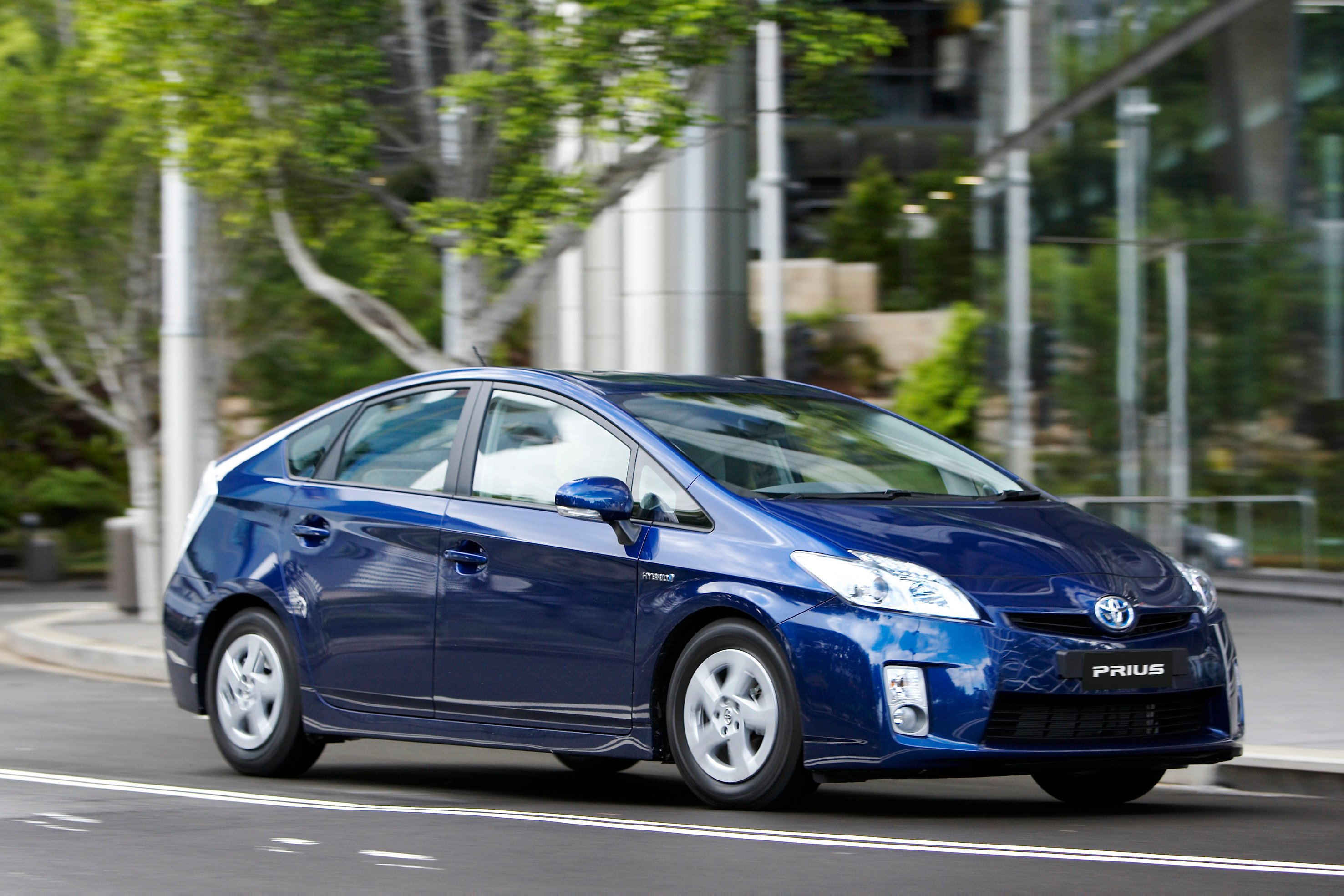 2011 Toyota Prius Prices Slashed In Australia Photos 1