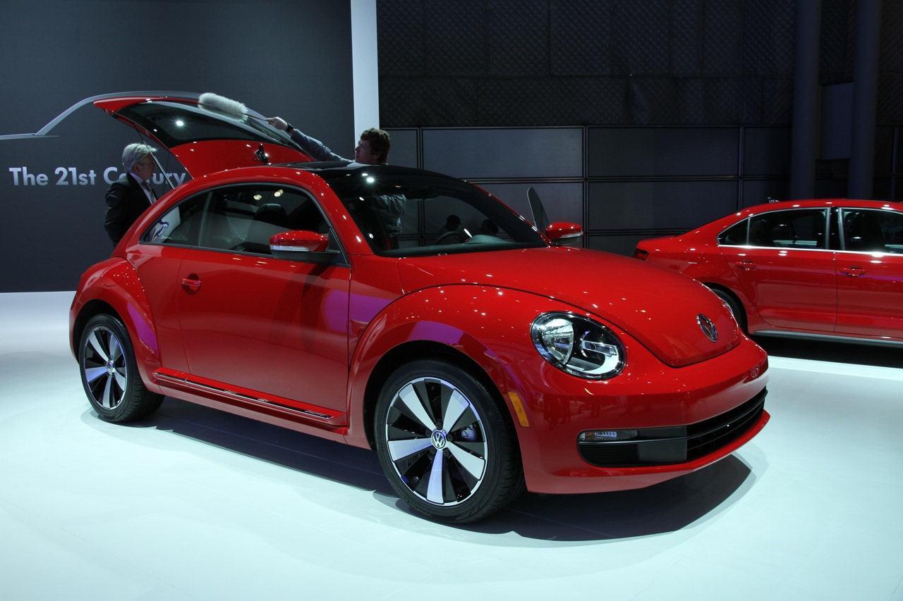 2012 volkswagen beetle unveiled in new york photos 1 of 14. Black Bedroom Furniture Sets. Home Design Ideas