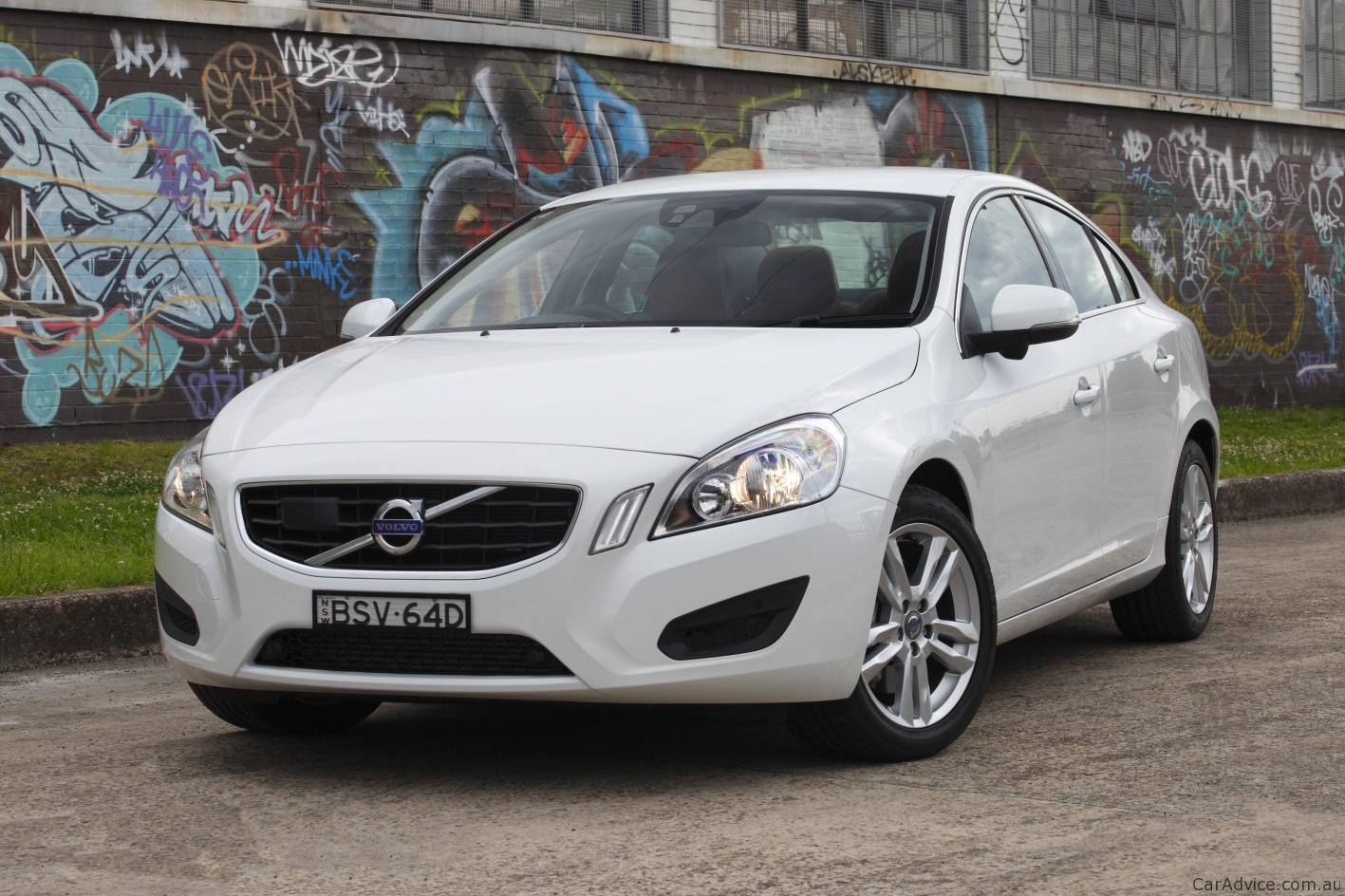 2011 volvo s60 xc60 recalled in australia photos 1 of 3. Black Bedroom Furniture Sets. Home Design Ideas