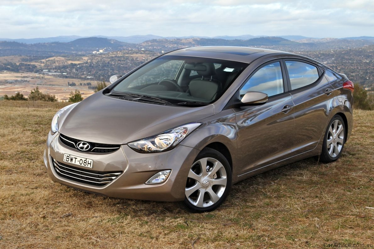 2012 hyundai elantra review caradvice. Black Bedroom Furniture Sets. Home Design Ideas