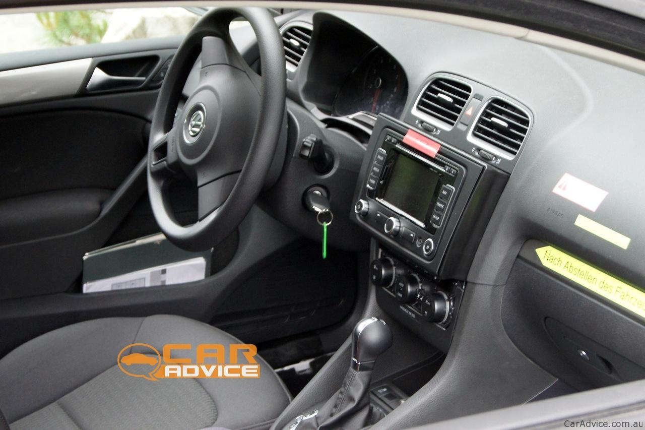 2013 Volkswagen Golf GTI and Golf R spy shots - Photos (1 of 9) | {Auto cockpit vw 87}