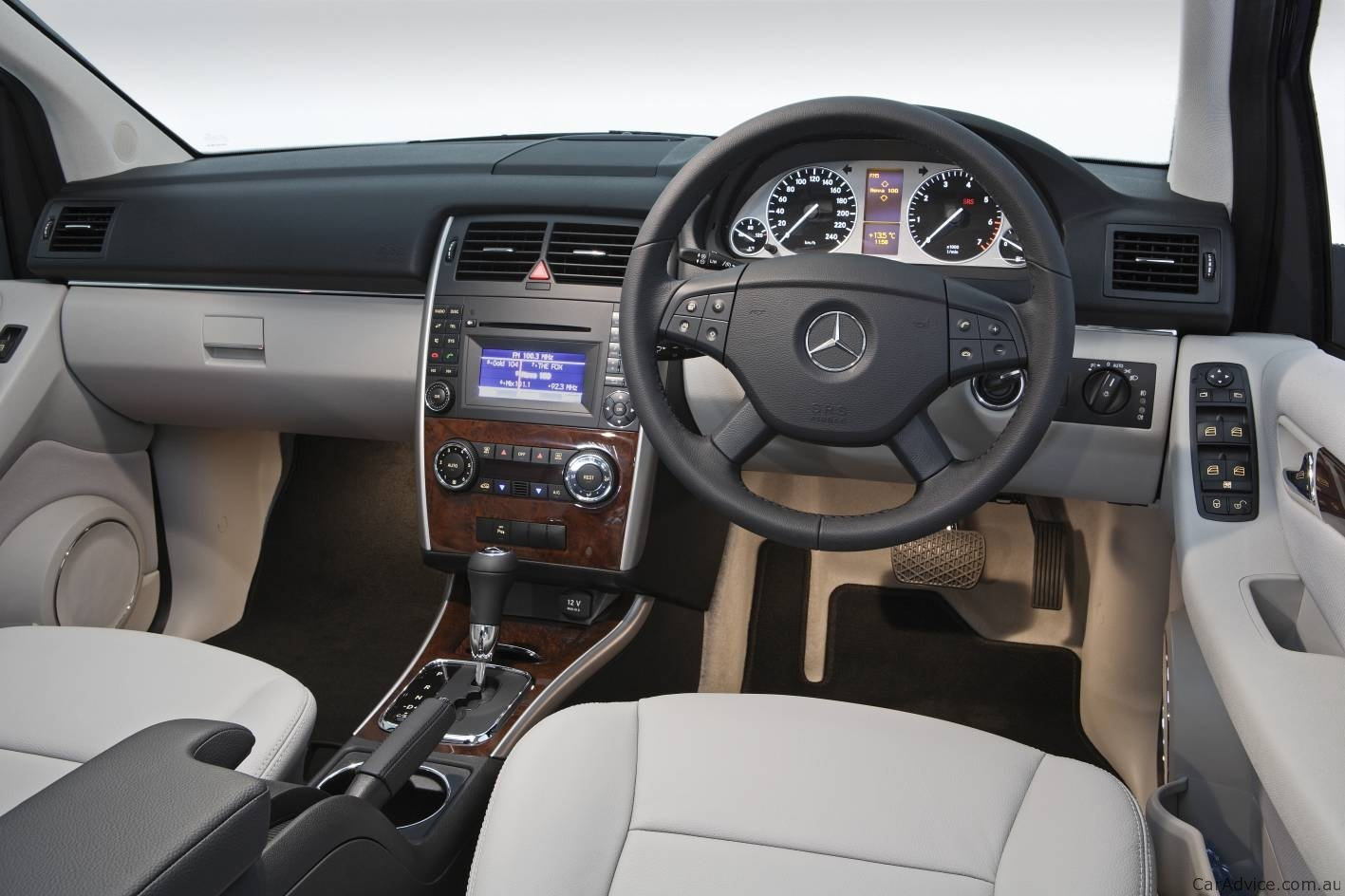 2012 mercedes benz b class interior revealed coming to. Black Bedroom Furniture Sets. Home Design Ideas