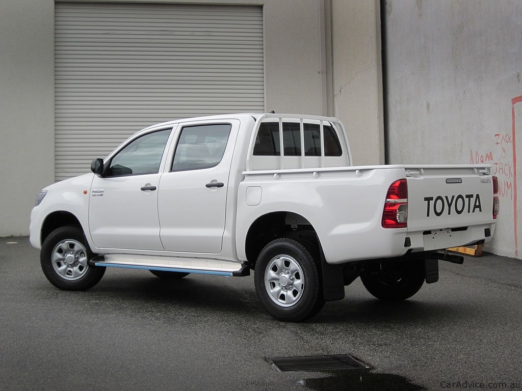 2012 Toyota Hilux Preview Photos 1 Of 11