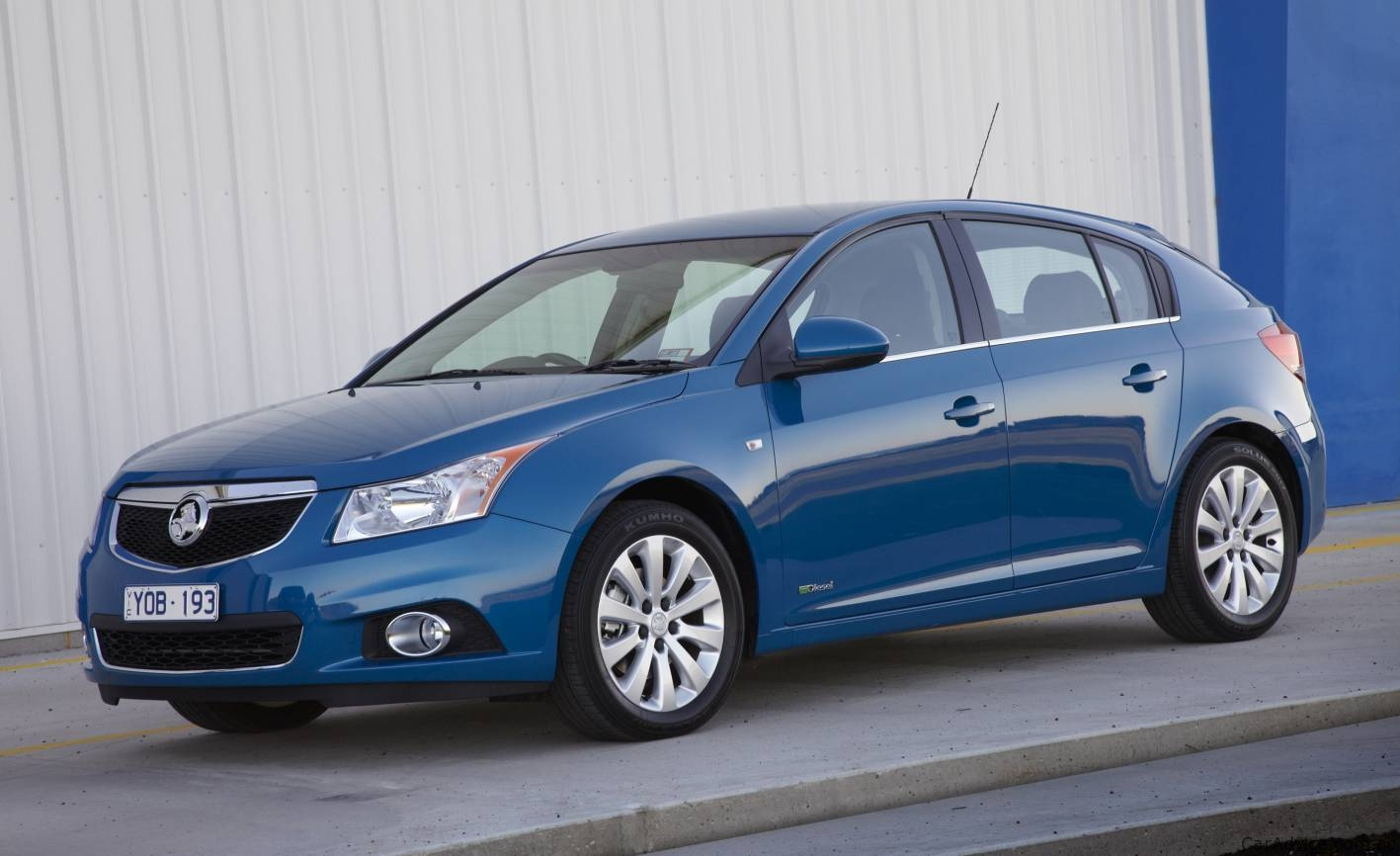 Holden Cruze Hatch On Sale In Australia Photos 1 Of 16