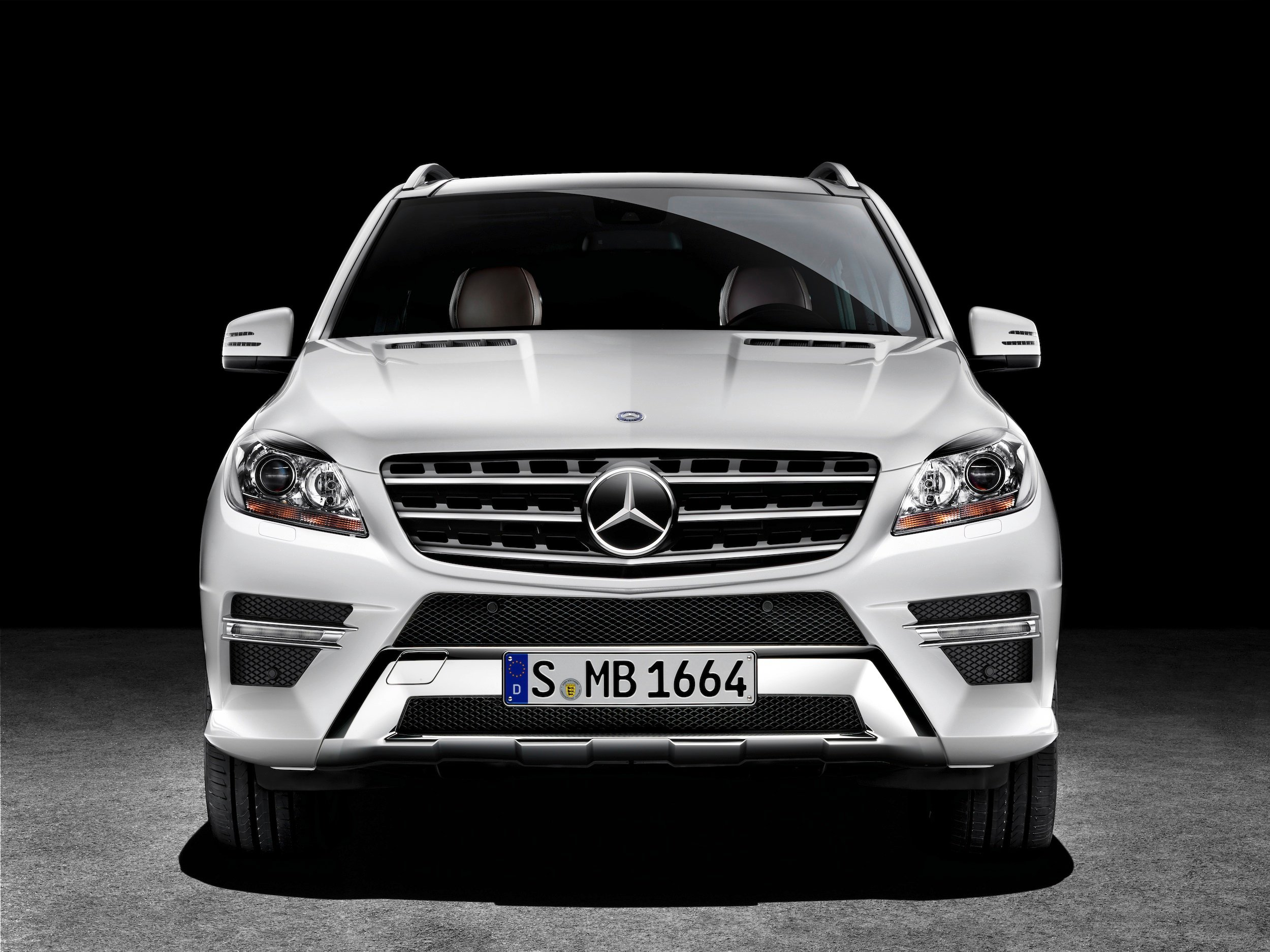 2012 Mercedes Benz Ml Throws Down Gauntlet To Audi Q7 And