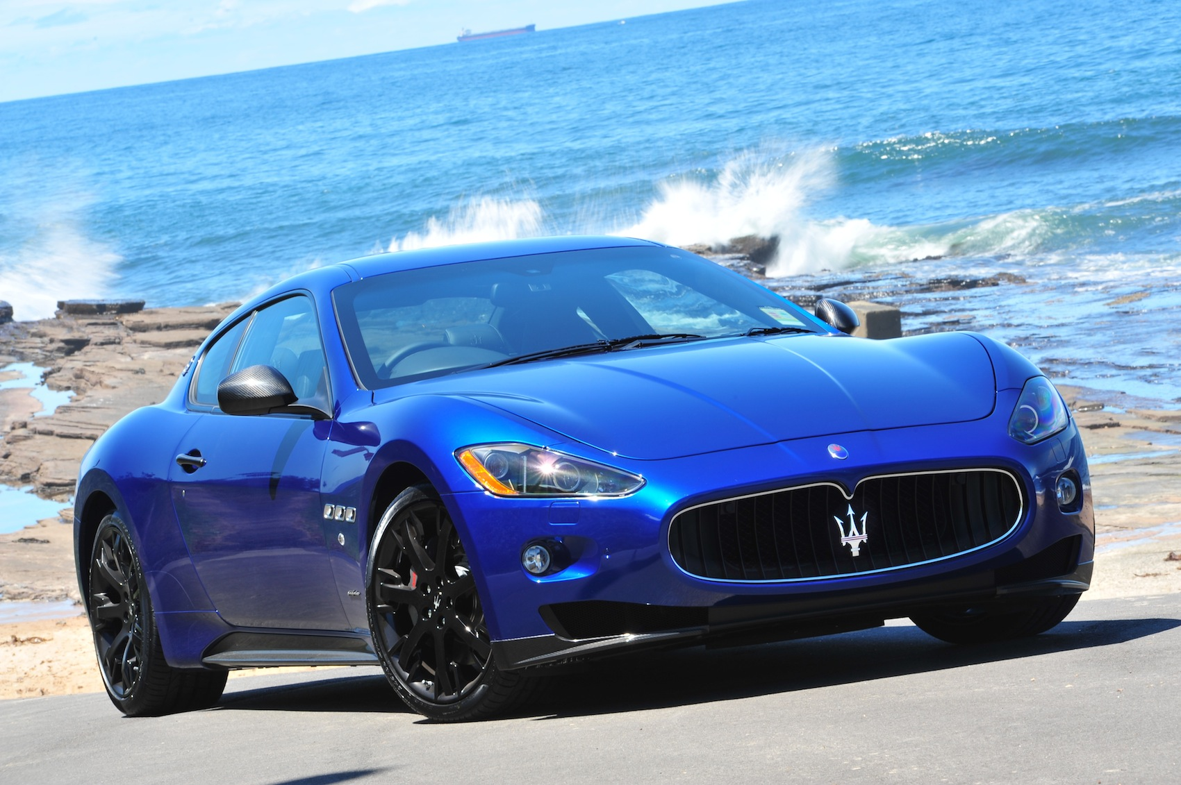 2012 maserati granturismo s mc shift more power less fuel photos 1 of 4. Black Bedroom Furniture Sets. Home Design Ideas