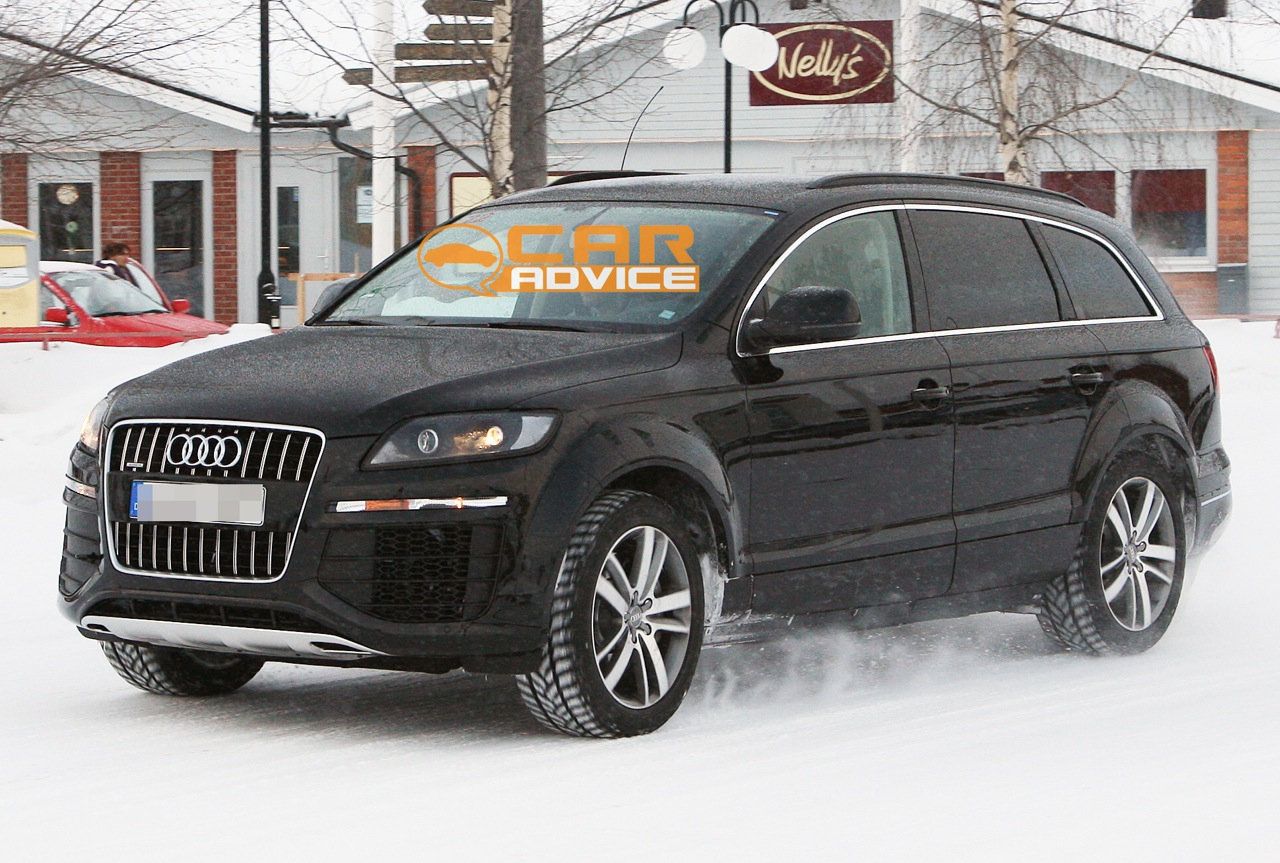 2013 audi q7 prototype spied photos 1 of 6. Black Bedroom Furniture Sets. Home Design Ideas