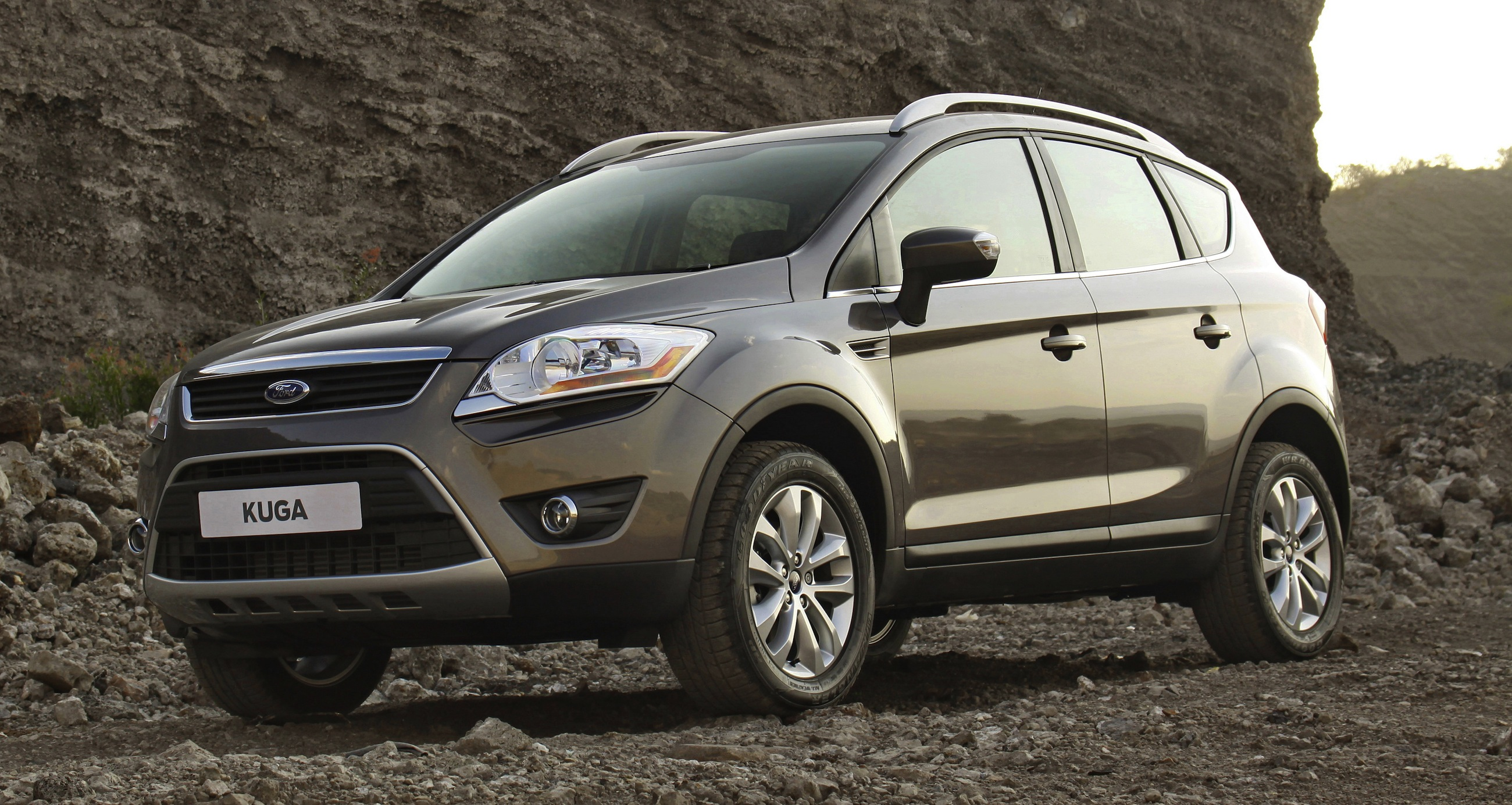 ford kuga new compact suv launched photos 1 of 5