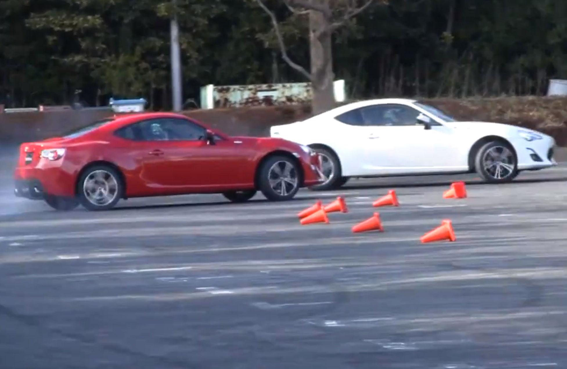 Toyota 86 drift video & Subaru BRZ commercial - Photos (1 ...