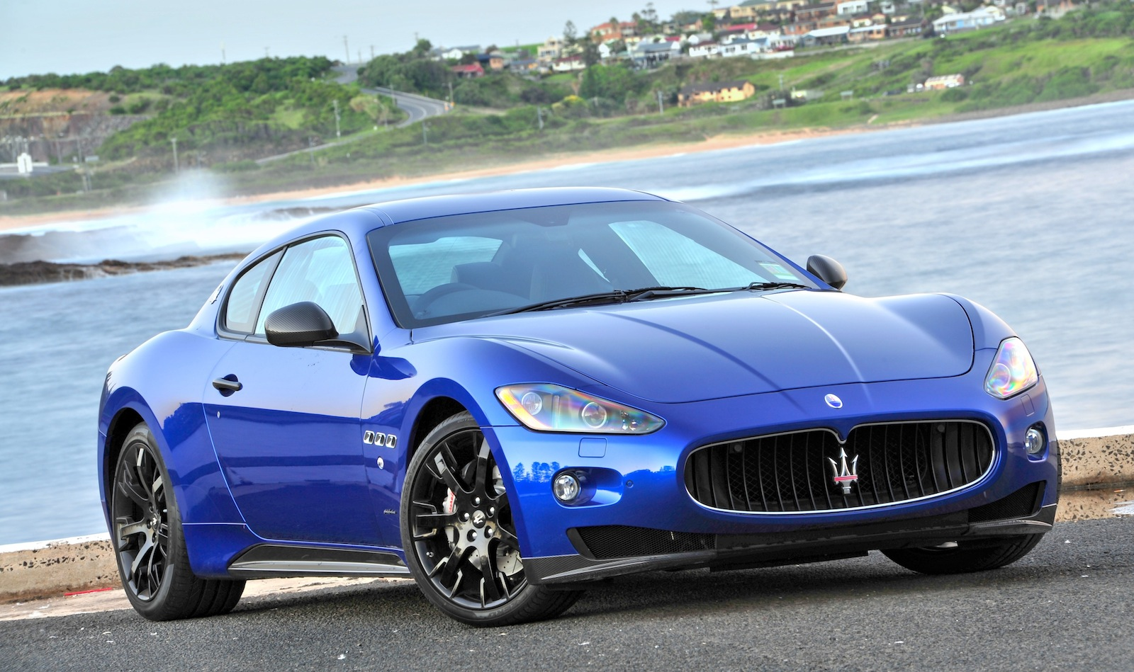 Maserati Targets 50 000 Sales With New Suv And Sedan