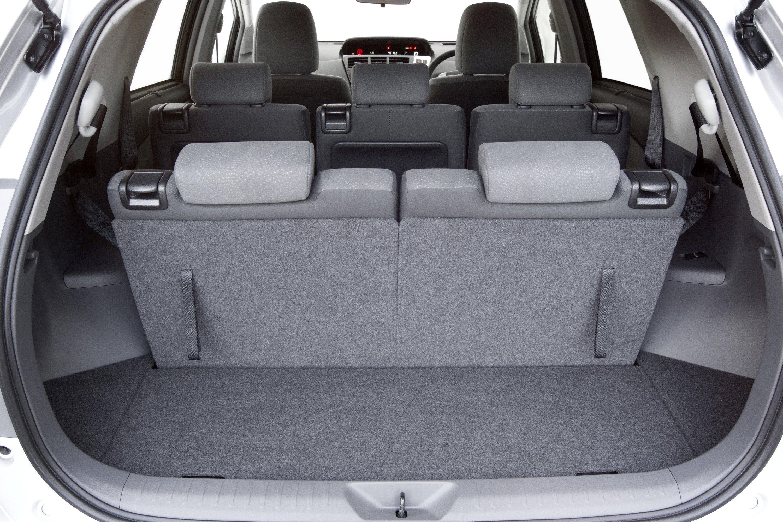 Toyota Prius V Review   CarAdvice