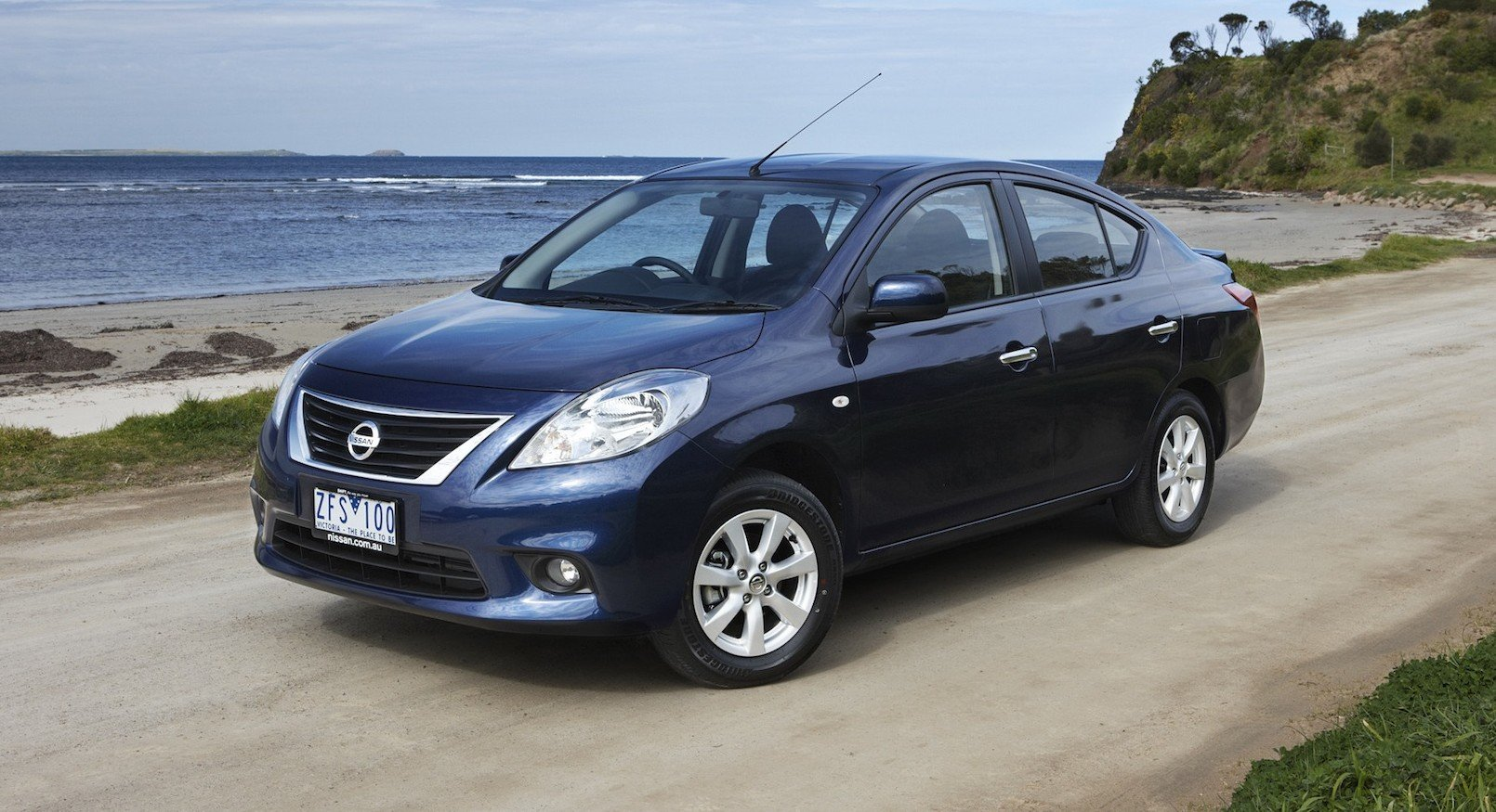 nissan almera australian prices and specifications photos 1 of 22. Black Bedroom Furniture Sets. Home Design Ideas
