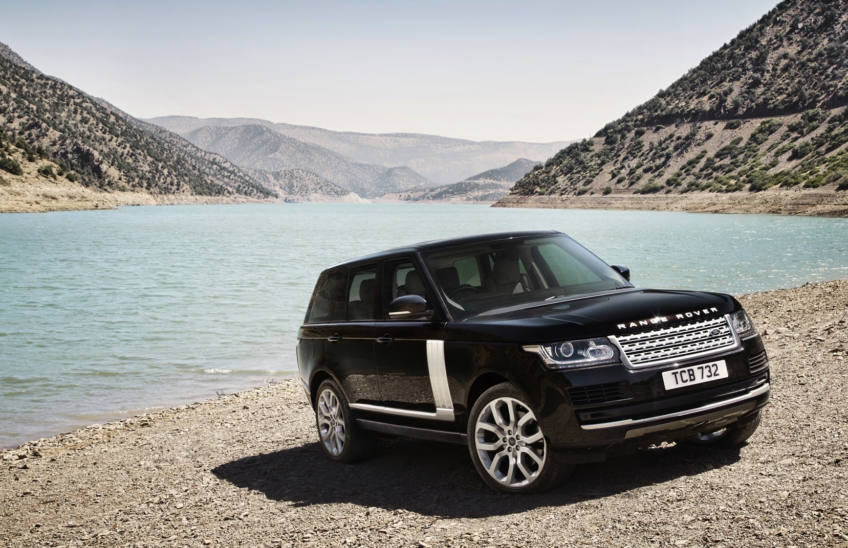 range rover hybrid to achieve 6 3l 100km photos 1 of 5. Black Bedroom Furniture Sets. Home Design Ideas