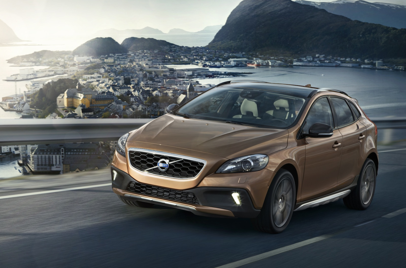 volvo v40 cross country likely for australia photos 1 of 16. Black Bedroom Furniture Sets. Home Design Ideas