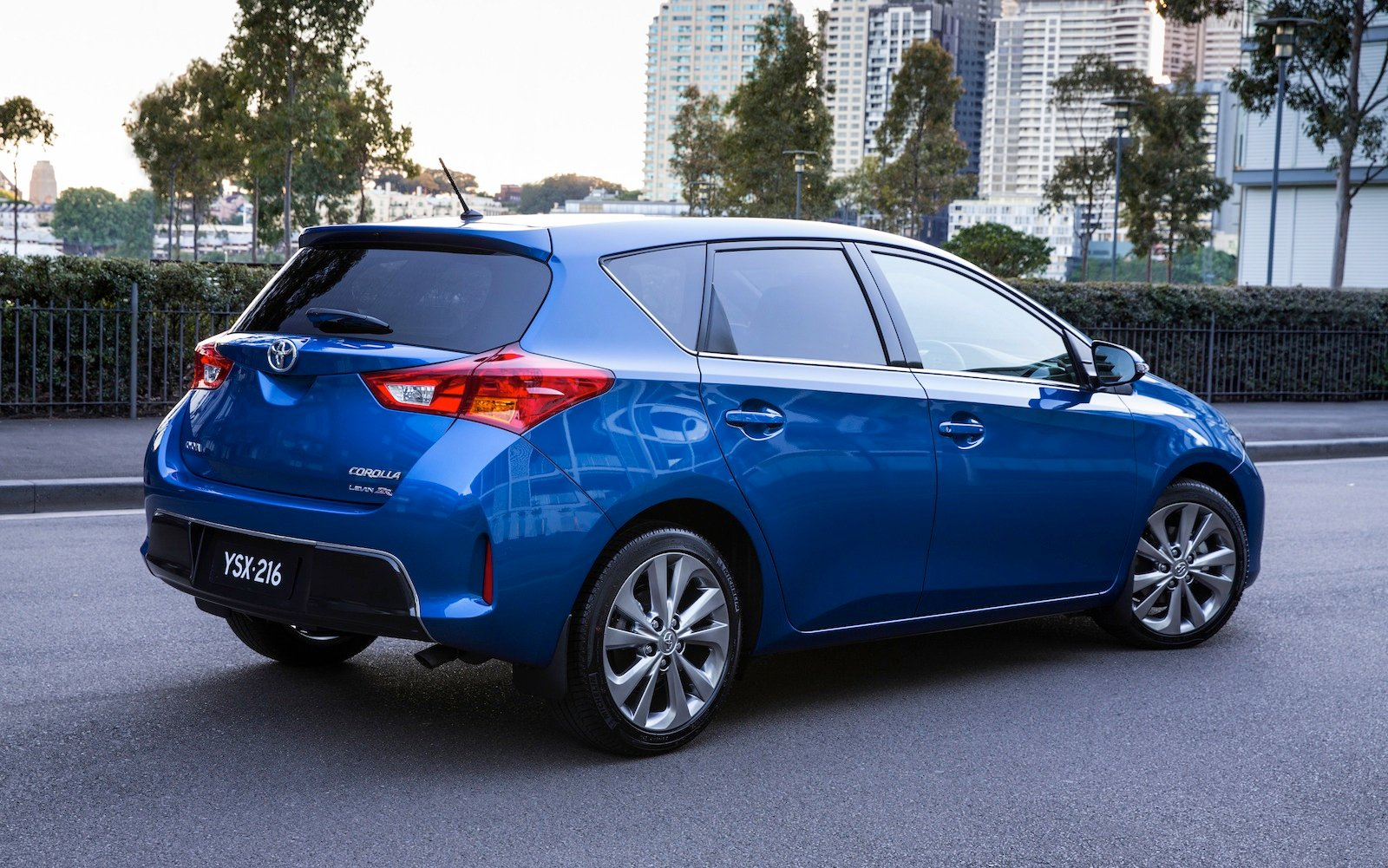 2013 toyota corolla pricing and specifications photos 1. Black Bedroom Furniture Sets. Home Design Ideas