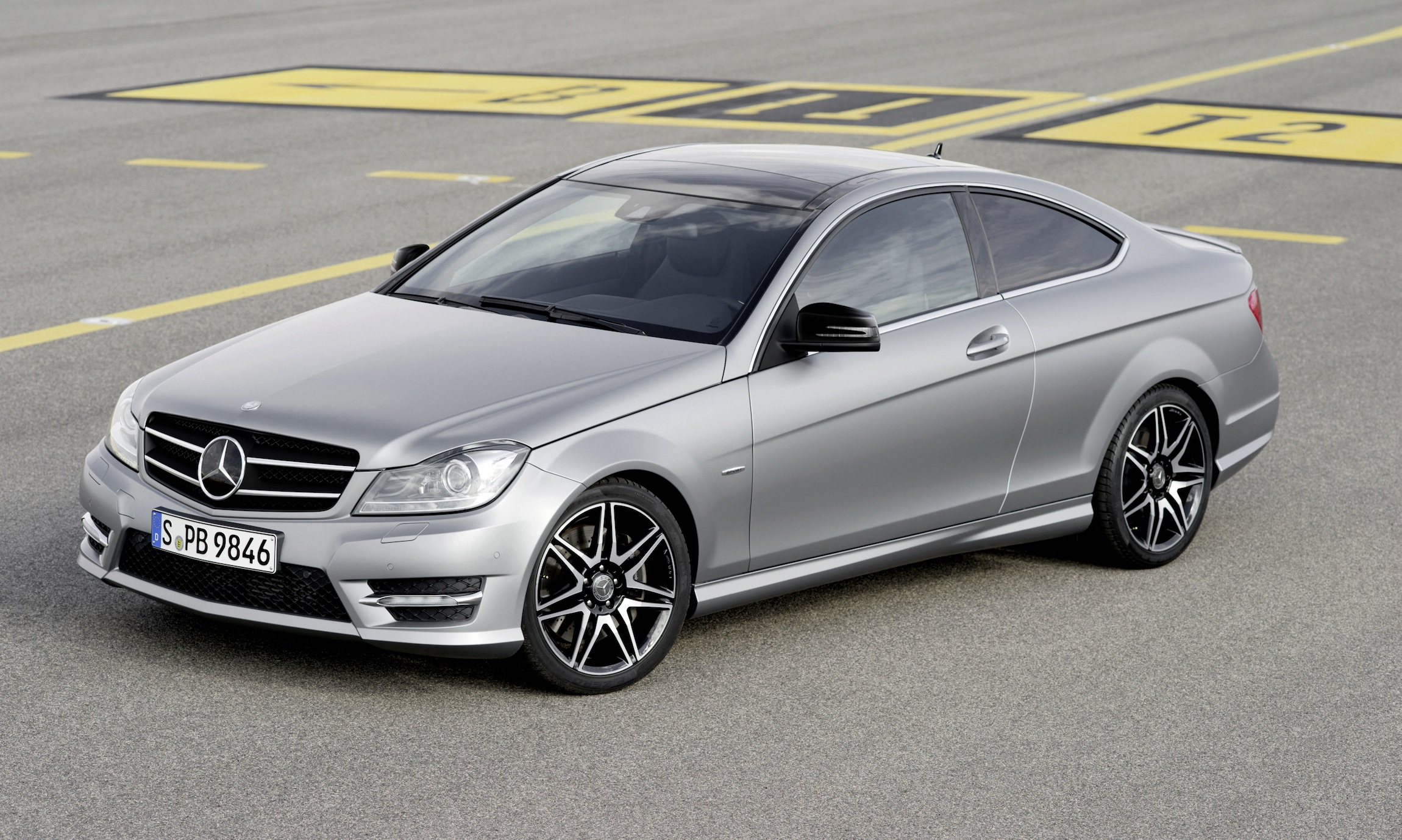 mercedes benz c250 coupe sport adds amg visuals and handling photos 1 of 3. Black Bedroom Furniture Sets. Home Design Ideas
