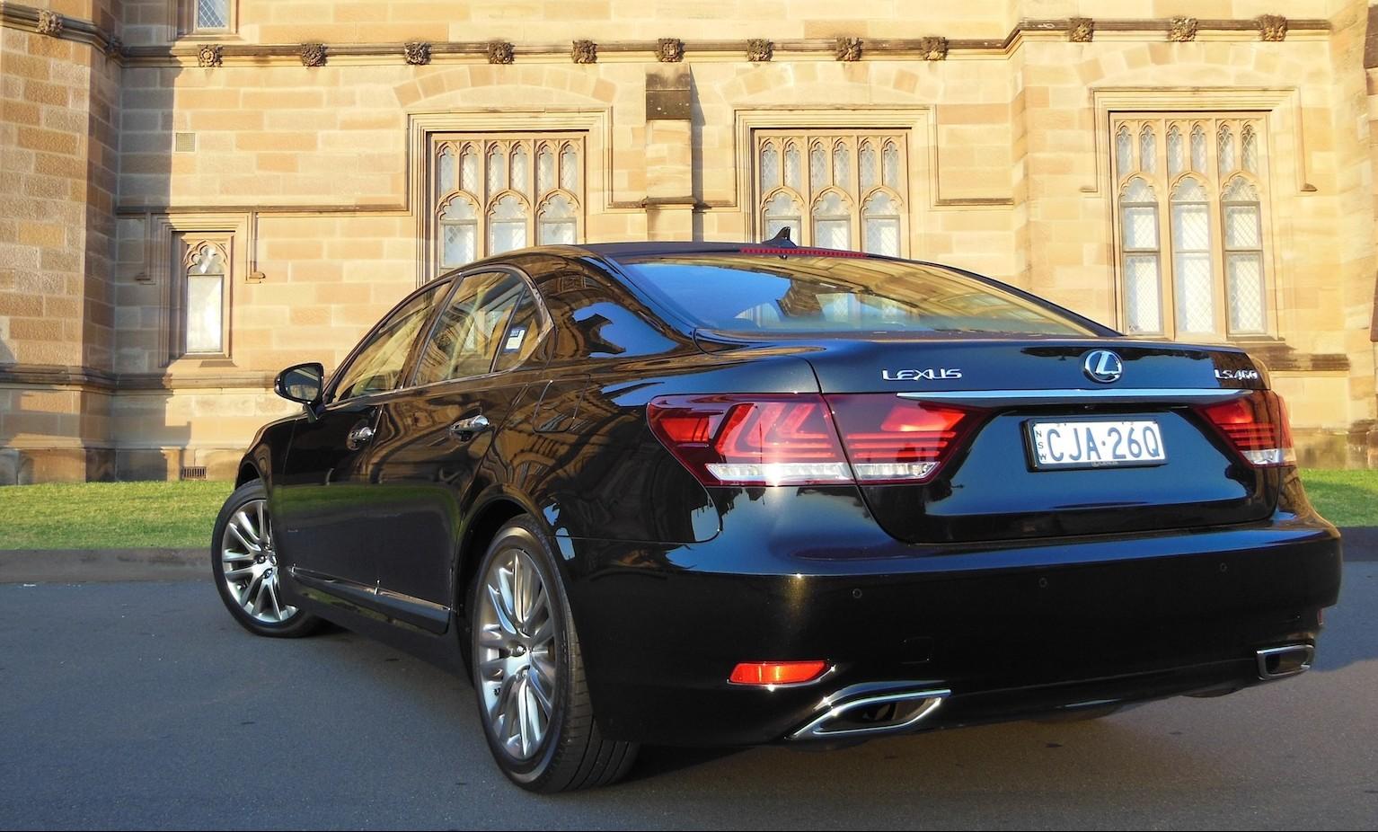 2013 lexus ls 460 f sport test drive luxury car video autos weblog. Black Bedroom Furniture Sets. Home Design Ideas