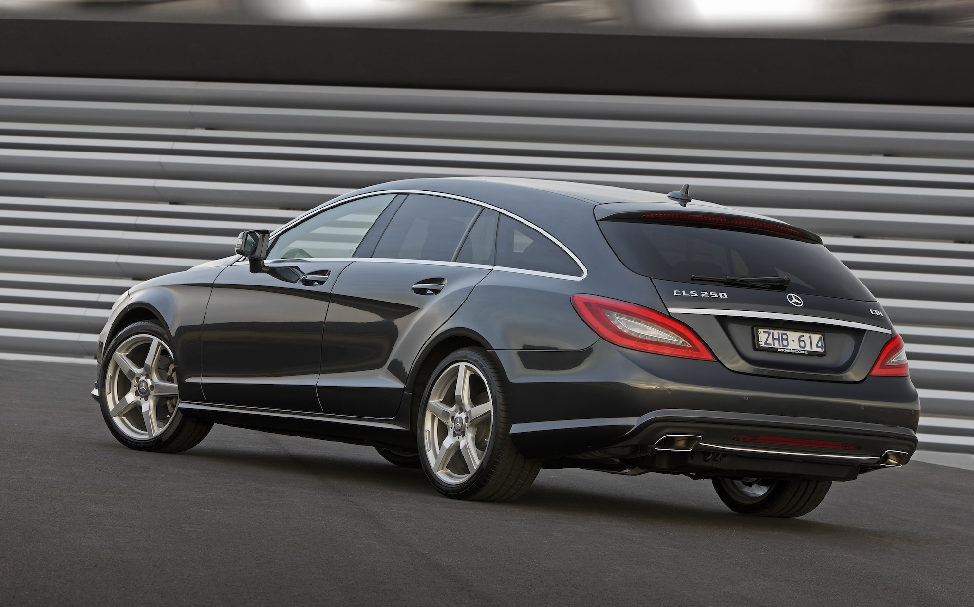 Mercedes Benz Cls Shooting Brake Coupe Style Wagon Arrives Photos 1 Of 5