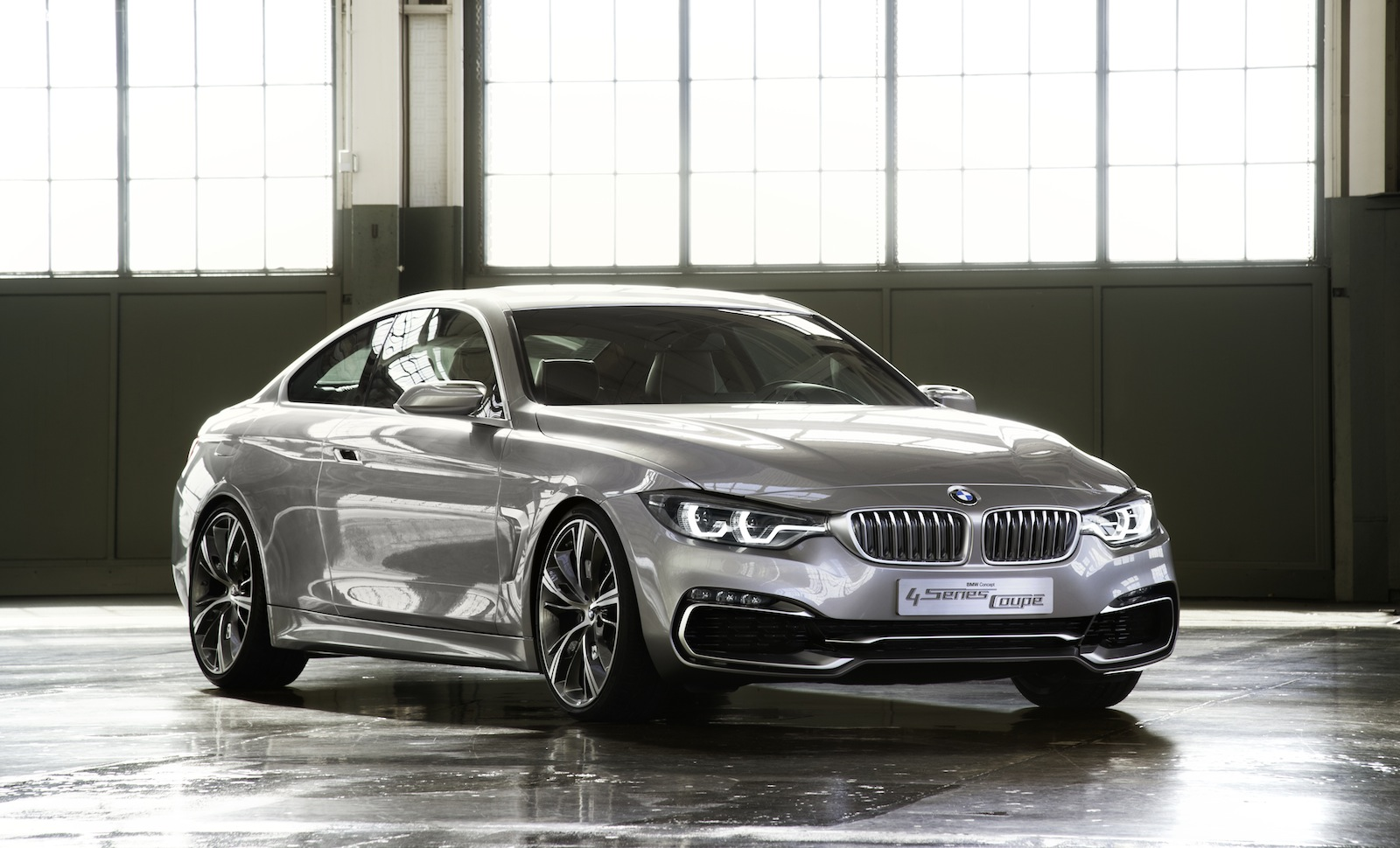 bmw 4 series coupe concept revealed photos 1 of 18. Black Bedroom Furniture Sets. Home Design Ideas