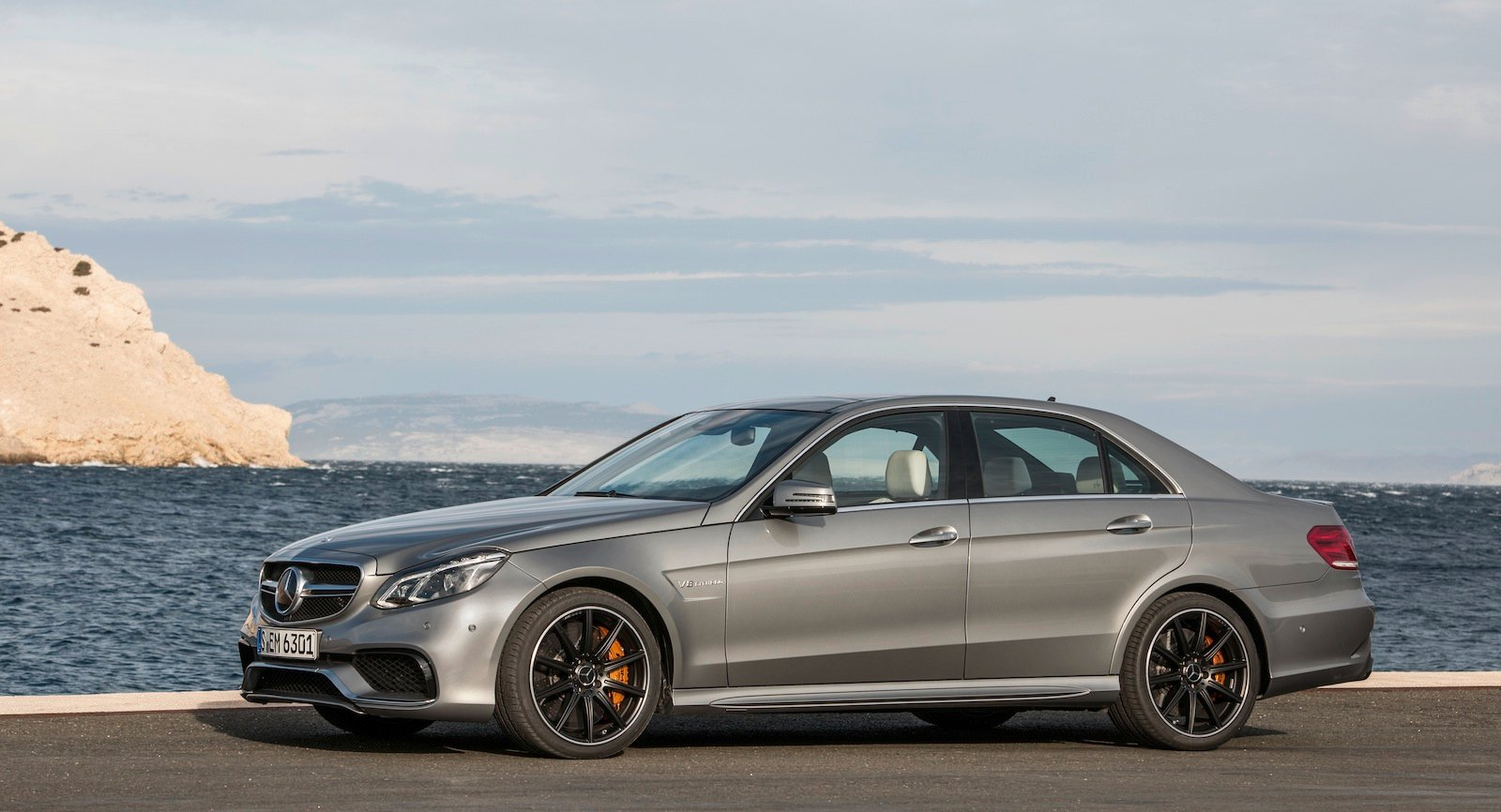 2013 mercedes benz e63 amg 0 100km h awd monster revealed photos 1 of 30. Black Bedroom Furniture Sets. Home Design Ideas