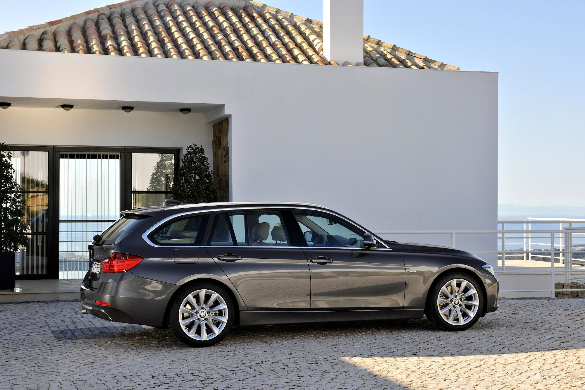 2013 bmw 320d touring review caradvice. Black Bedroom Furniture Sets. Home Design Ideas