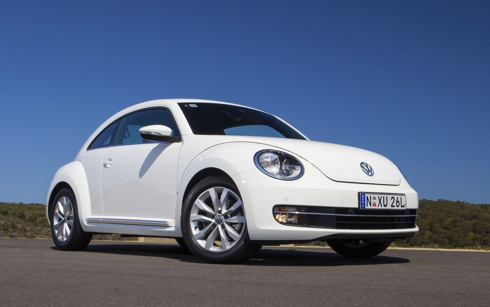 2013 volkswagen beetle pricing and specifications photos 1 of 7. Black Bedroom Furniture Sets. Home Design Ideas