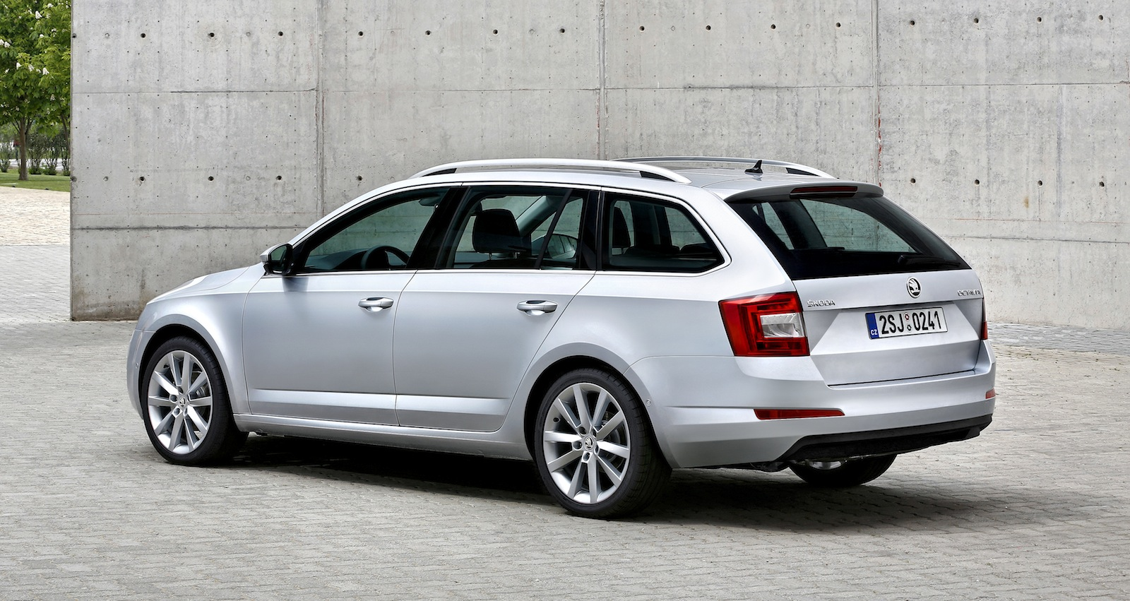 2013 skoda octavia wagon revealed photos 1 of 3. Black Bedroom Furniture Sets. Home Design Ideas