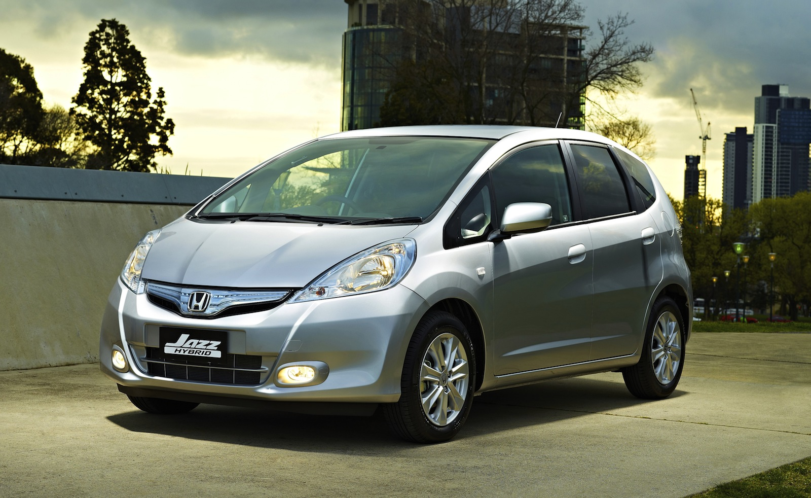 honda jazz hybrid launches at 22 990 photos 1 of 3. Black Bedroom Furniture Sets. Home Design Ideas