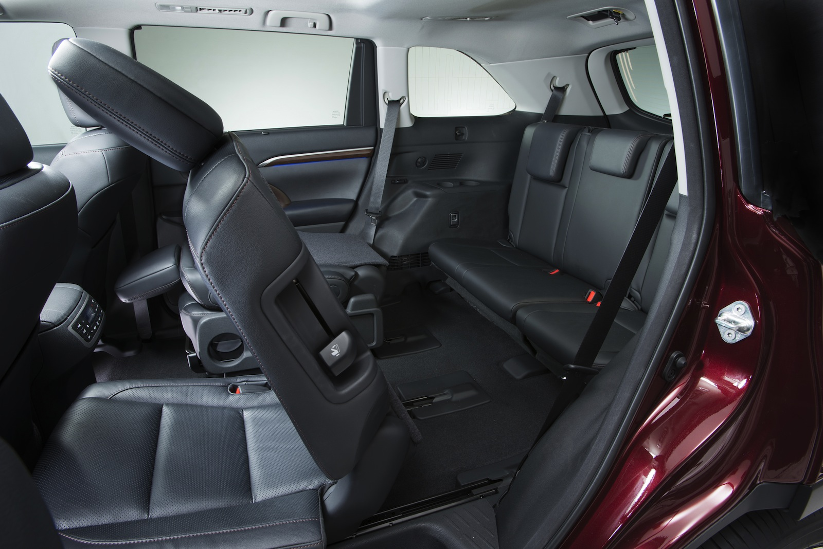 7 Passenger Suv >> Toyota Kluger: all-new SUV now seats eight, but still lacks diesel - Photos (1 of 23)