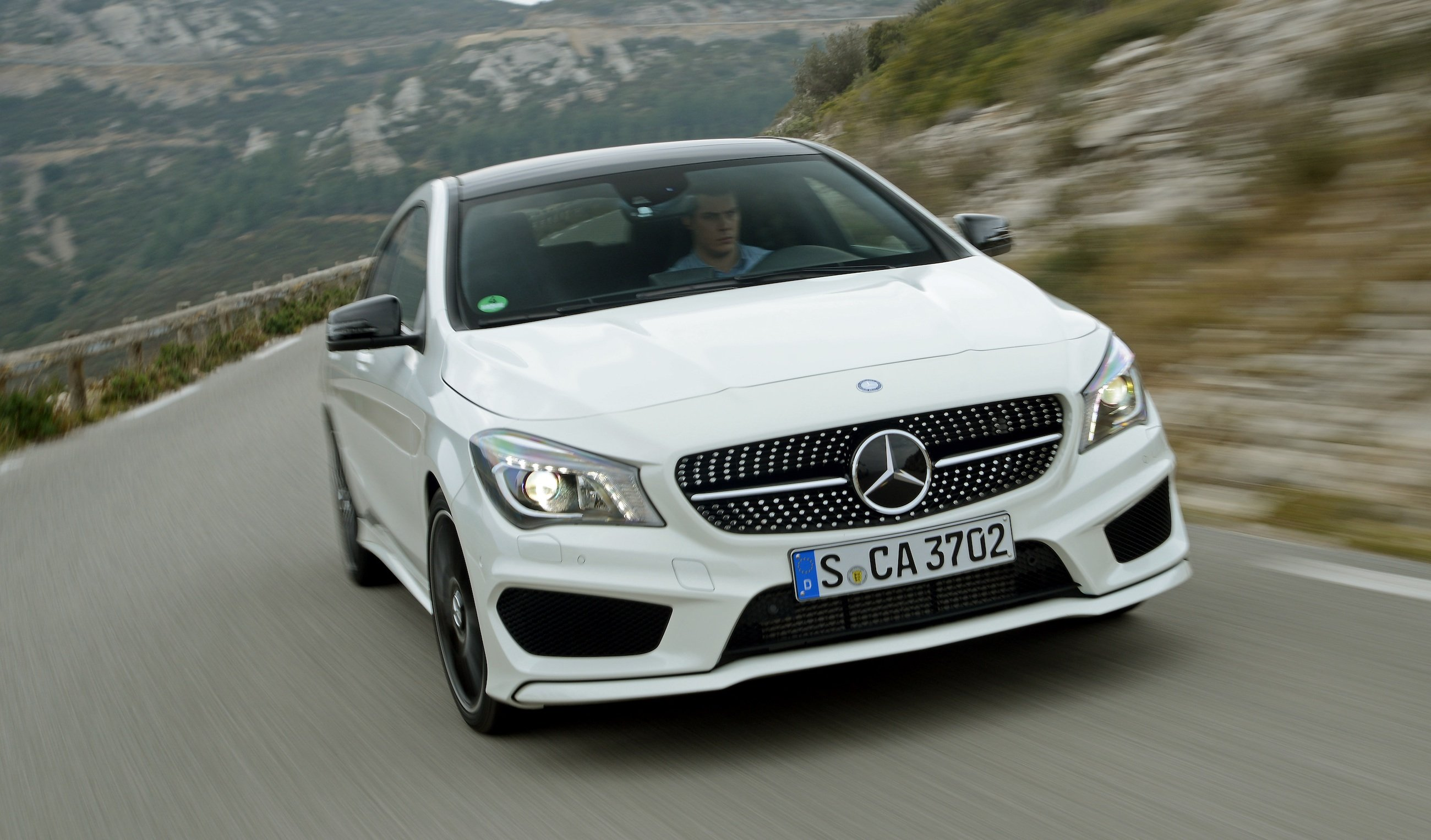 Mercedes benz cla review caradvice for Mercedes benz cars pictures