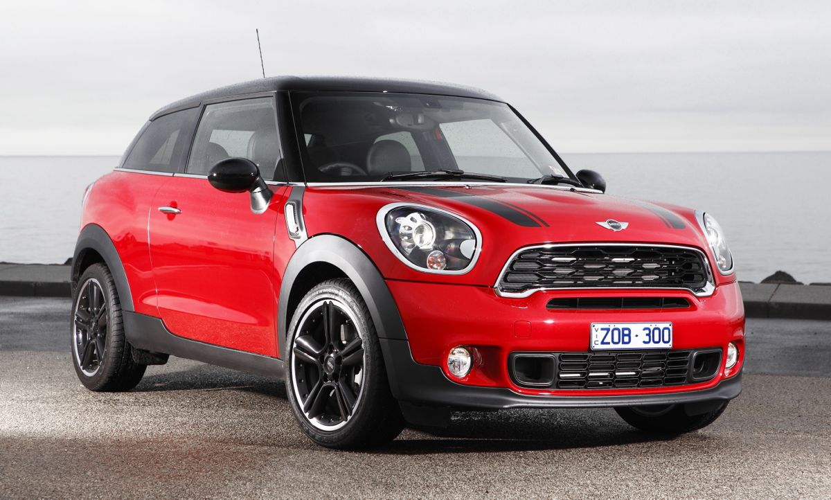 mini cooper paceman launches from 35 900 photos 1 of 7. Black Bedroom Furniture Sets. Home Design Ideas