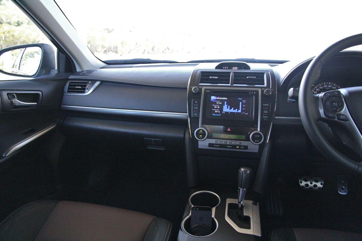 toyota camry review Группу посвящена самому популярному в россии седану бизнес класс toyota camry поколения - v70, v60.