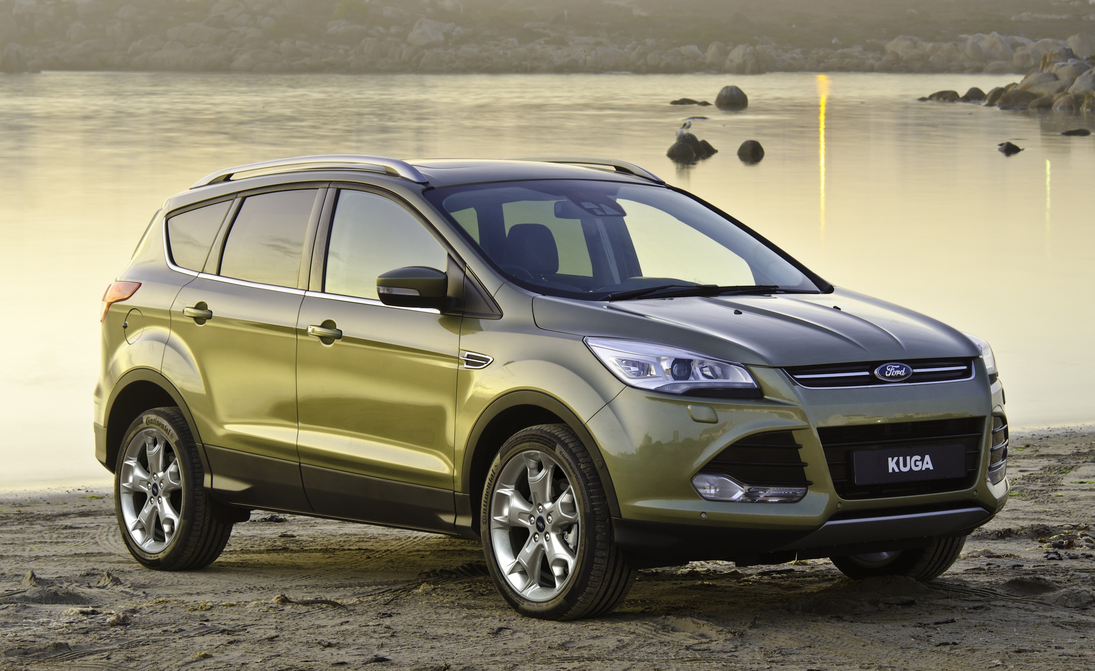2013 ford kuga pricing and specifications photos 1 of 18. Black Bedroom Furniture Sets. Home Design Ideas