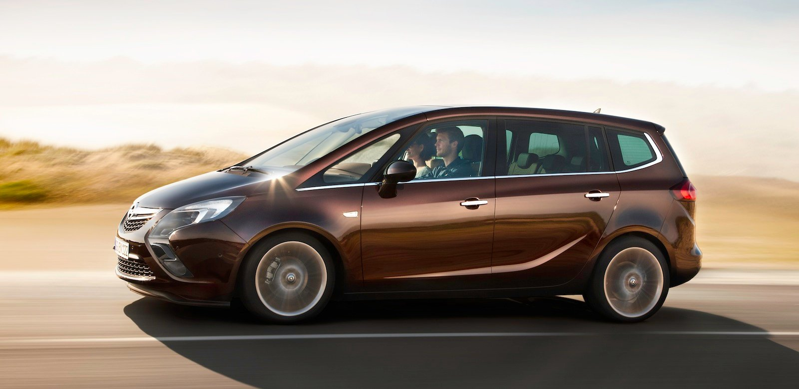 opel zafira tourer to join local line up mid year photos 1 of 8. Black Bedroom Furniture Sets. Home Design Ideas