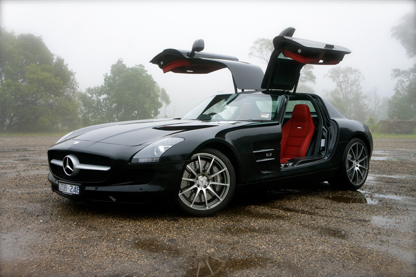 Mercedes benz sls amg review sydney to brisbane road trip for Silverlit mercedes benz sls amg