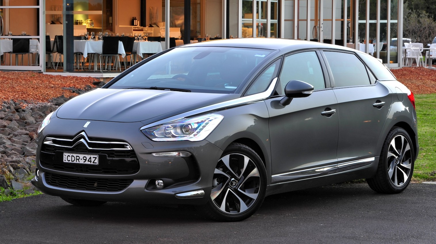citroen ds5 hdi diesel crossover wagon added to local. Black Bedroom Furniture Sets. Home Design Ideas