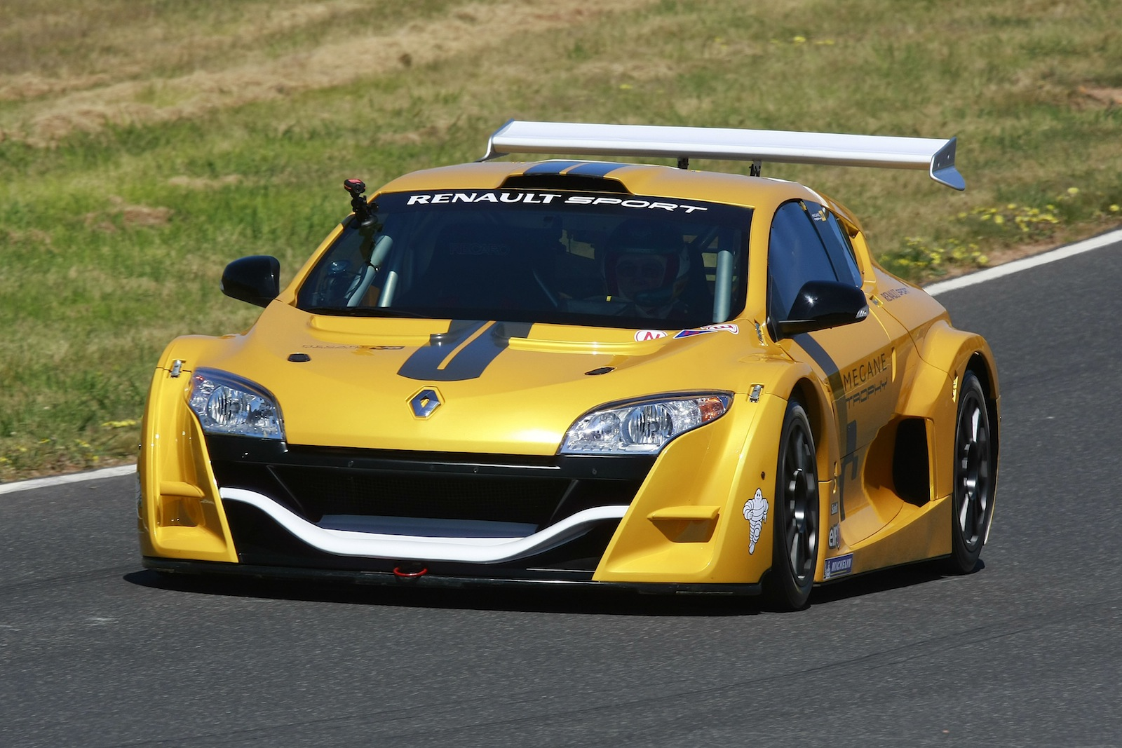 Renault Sport Considering Electric Vehicles Photos 1 Of 6