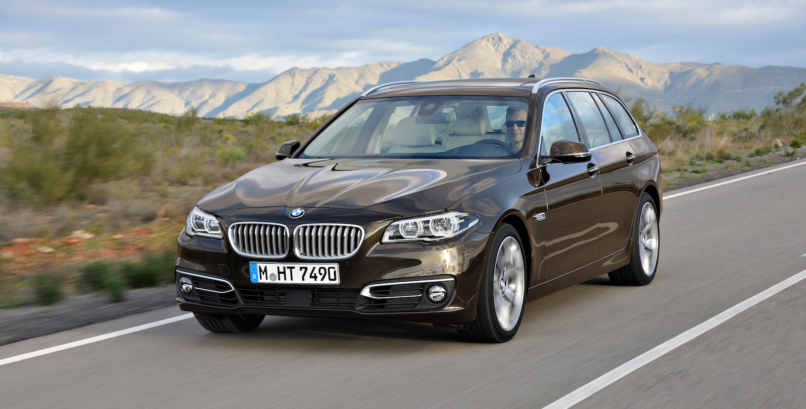 bmw 5 series new engines added tech for updated luxury range photos 1 of 17. Black Bedroom Furniture Sets. Home Design Ideas