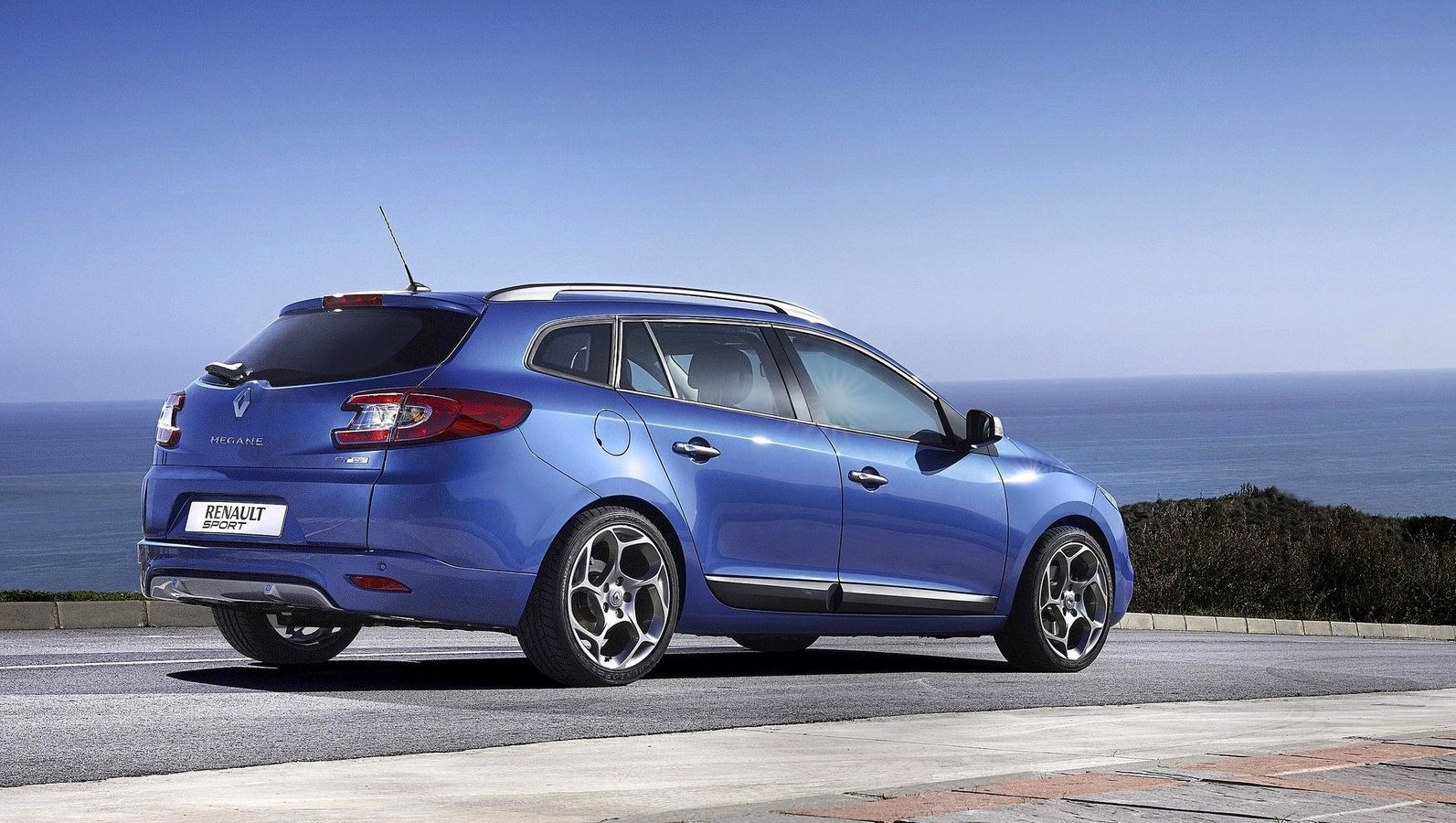 Renault Megane Gt 220 Estate Review Caradvice