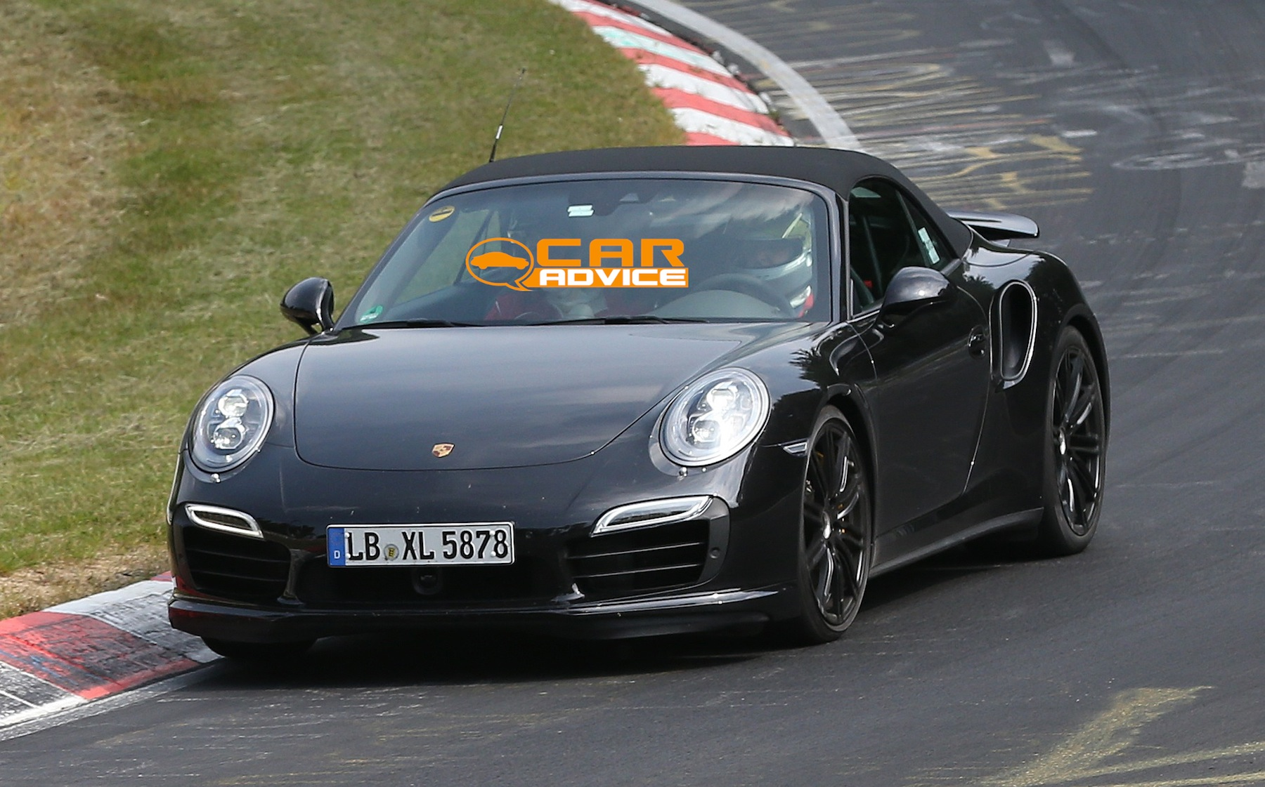 porsche 911 turbo convertible spied lapping nurburgring photos 1 of 7. Black Bedroom Furniture Sets. Home Design Ideas